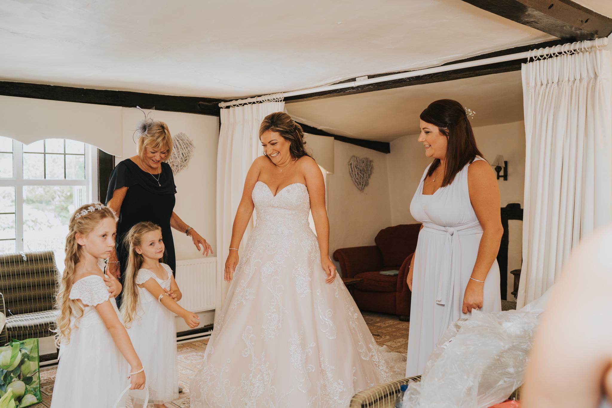 sarah-paul-boho-essex-wedding-white-hart-great-yeldham-alternative-essex-wedding-photographer-grace-elizabeth-colchester-alternative-photographer-essex-suffolk-norfolk-devon (33 of 116).jpg