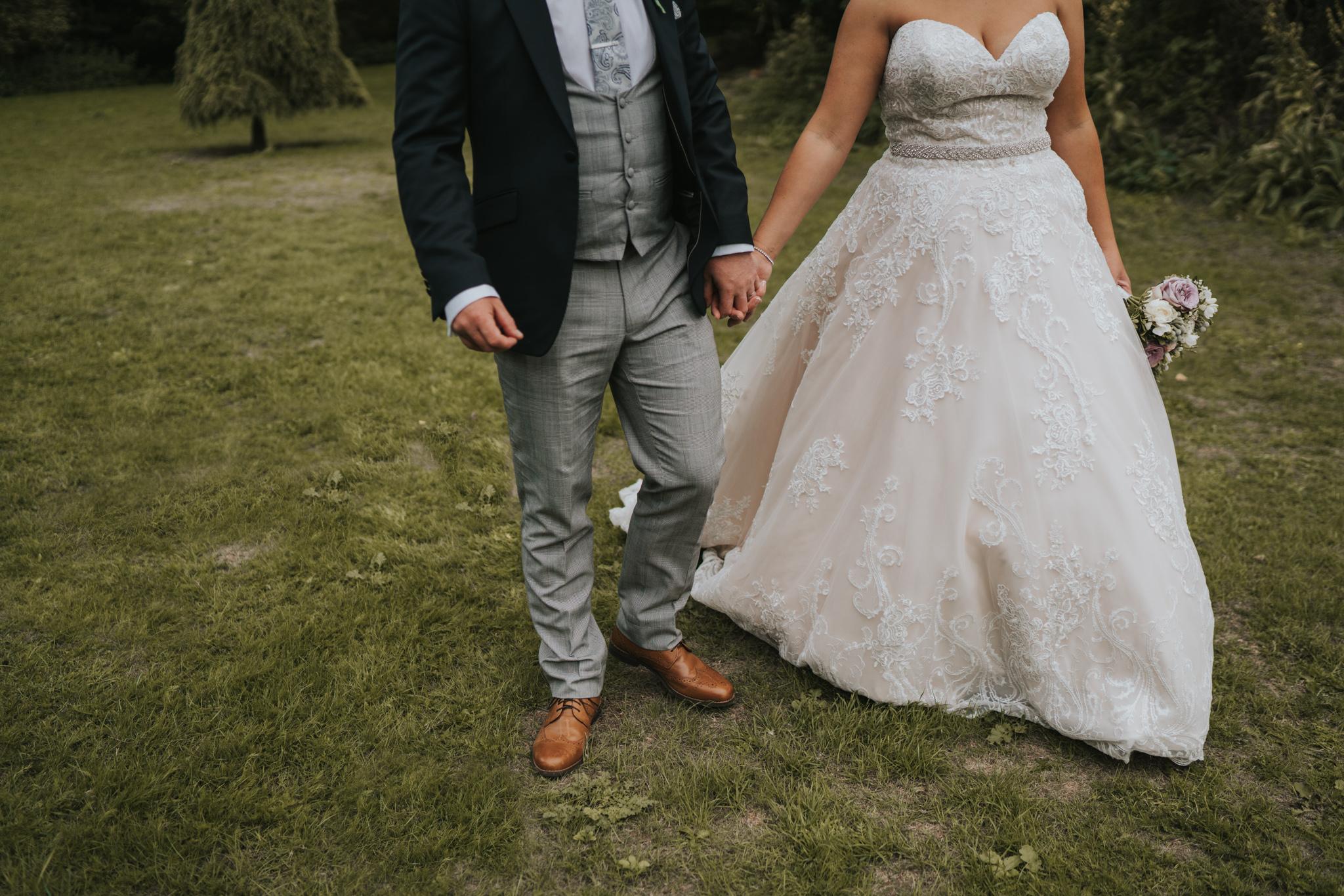 sarah-paul-boho-essex-wedding-white-hart-great-yeldham-alternative-essex-wedding-photographer-grace-elizabeth-colchester-alternative-photographer-essex-suffolk-norfolk-devon (81 of 116).jpg