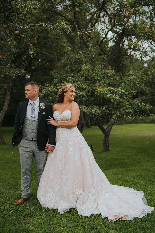 sarah-paul-boho-essex-wedding-white-hart-great-yeldham-alternative-essex-wedding-photographer-grace-elizabeth-colchester-alternative-photographer-essex-suffolk-norfolk-devon (85 of 116).jpg