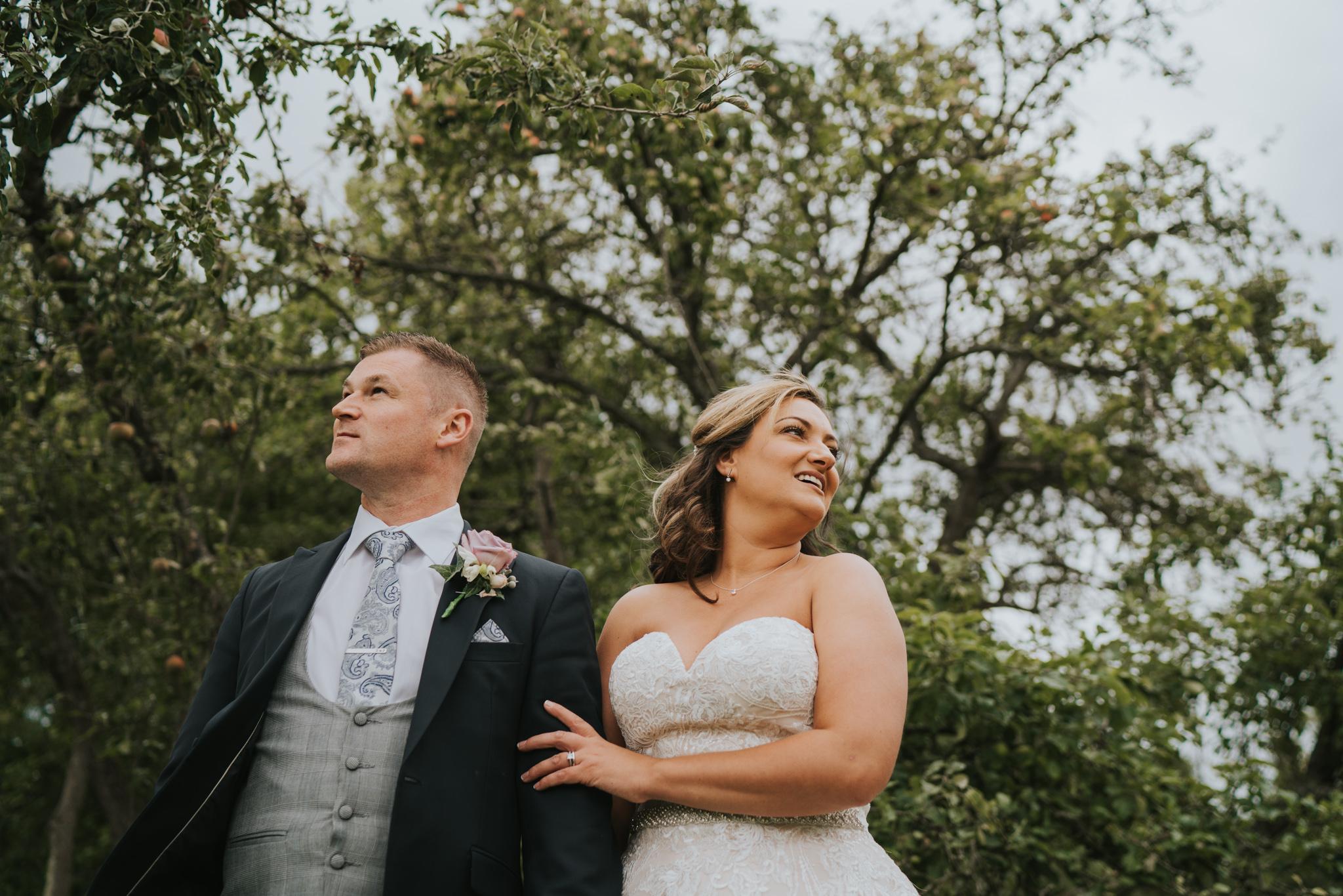 sarah-paul-boho-essex-wedding-white-hart-great-yeldham-alternative-essex-wedding-photographer-grace-elizabeth-colchester-alternative-photographer-essex-suffolk-norfolk-devon (87 of 116).jpg