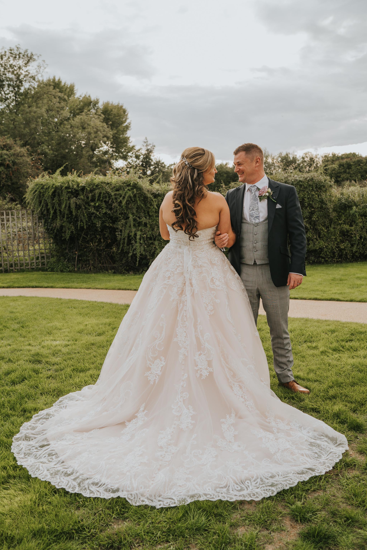 sarah-paul-boho-essex-wedding-white-hart-great-yeldham-alternative-essex-wedding-photographer-grace-elizabeth-colchester-alternative-photographer-essex-suffolk-norfolk-devon (94 of 116).jpg