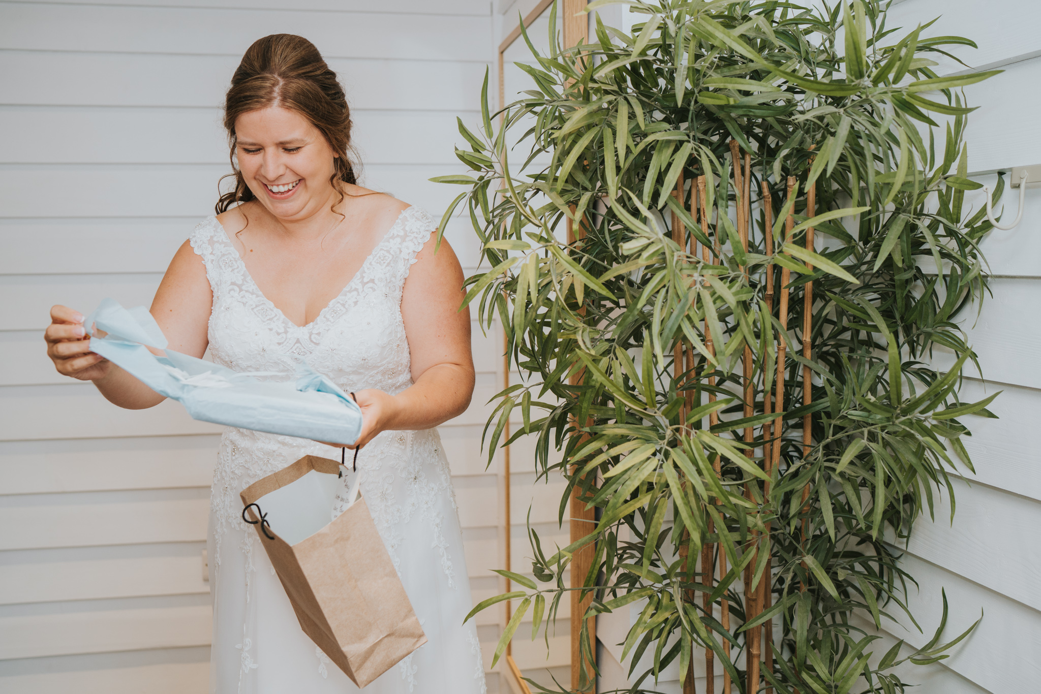 john-amy-relaxed-beach-wedding-tunnels-beaches-ilfracombe-north-devon-grace-elizabeth-colchester-essex-alternative-relaxed-wedding-photography-devon-suffolk-norfolk-essex (37 of 159).jpg