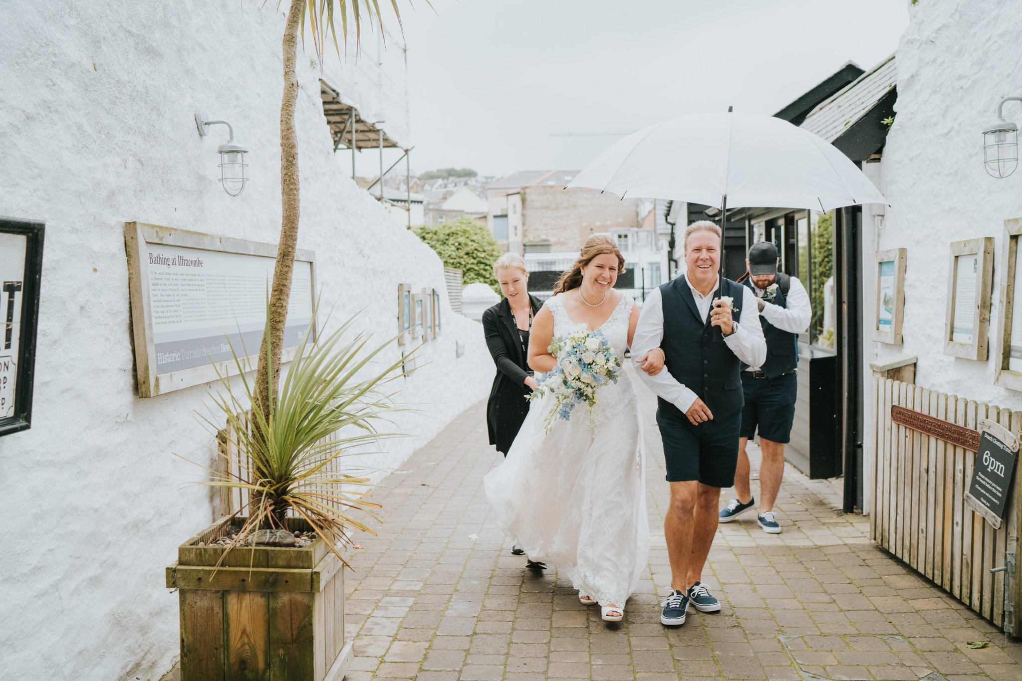john-amy-relaxed-beach-wedding-tunnels-beaches-ilfracombe-north-devon-grace-elizabeth-colchester-essex-alternative-relaxed-wedding-photography-devon-suffolk-norfolk-essex (45 of 159).jpg