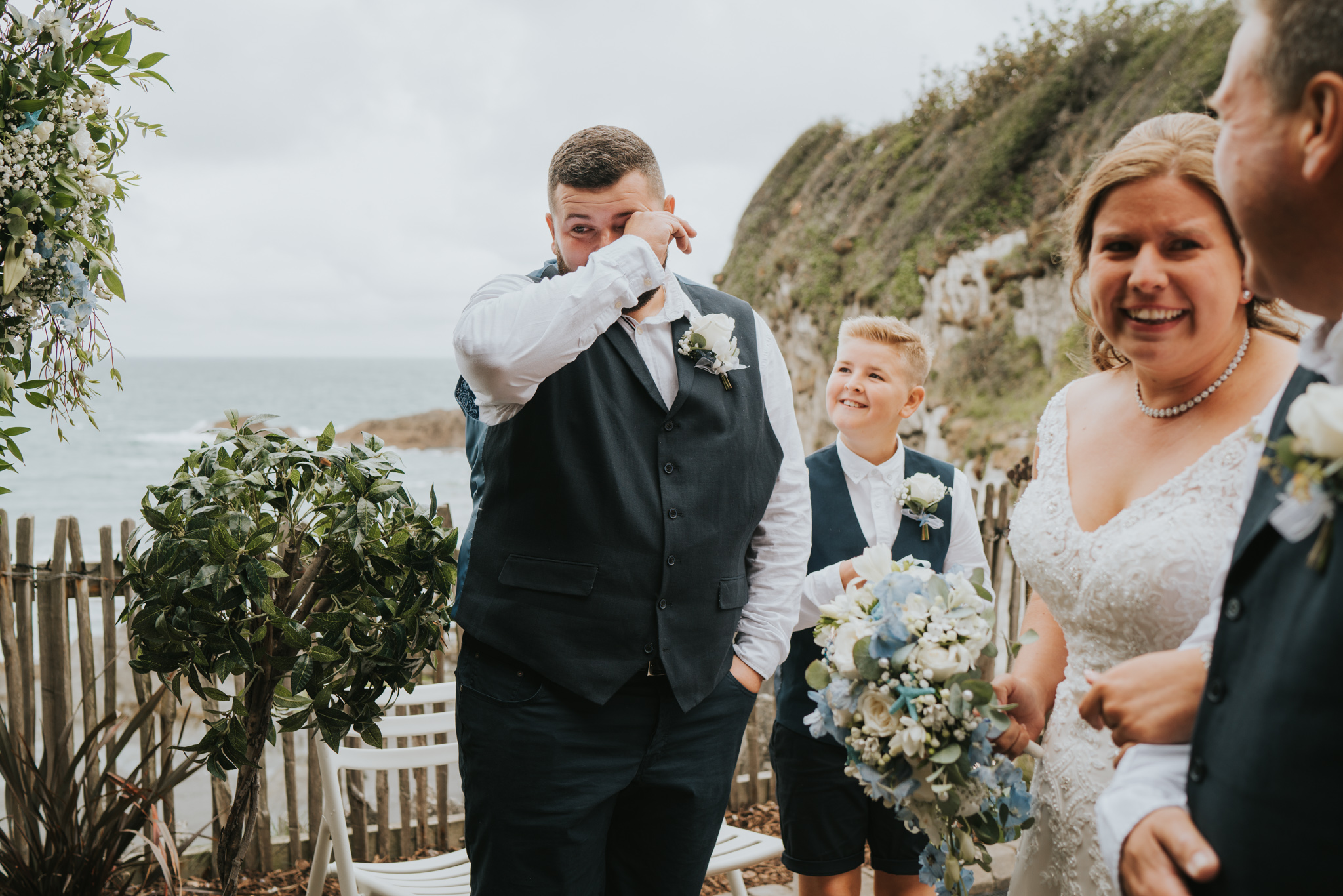 john-amy-relaxed-beach-wedding-tunnels-beaches-ilfracombe-north-devon-grace-elizabeth-colchester-essex-alternative-relaxed-wedding-photography-devon-suffolk-norfolk-essex (52 of 159).jpg