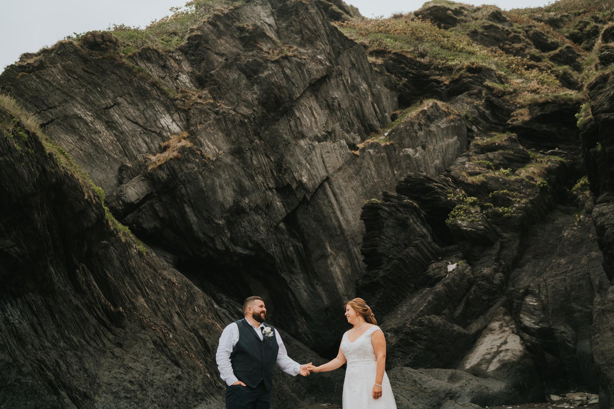 john-amy-relaxed-beach-wedding-tunnels-beaches-ilfracombe-north-devon-grace-elizabeth-colchester-essex-alternative-relaxed-wedding-photography-devon-suffolk-norfolk-essex (93 of 159).jpg