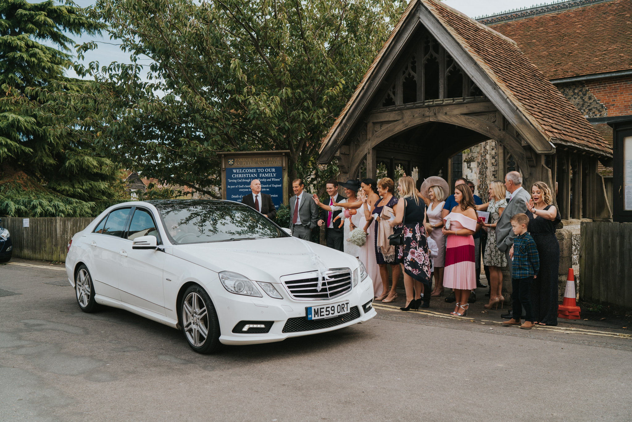 intimate-english-church-wedding-sarah-alex-colchester-essex-grace-elizabeth-colchester-essex-alternative-wedding-lifestyle-photographer-essex-suffolk-norfolk-devon (74 of 92).jpg