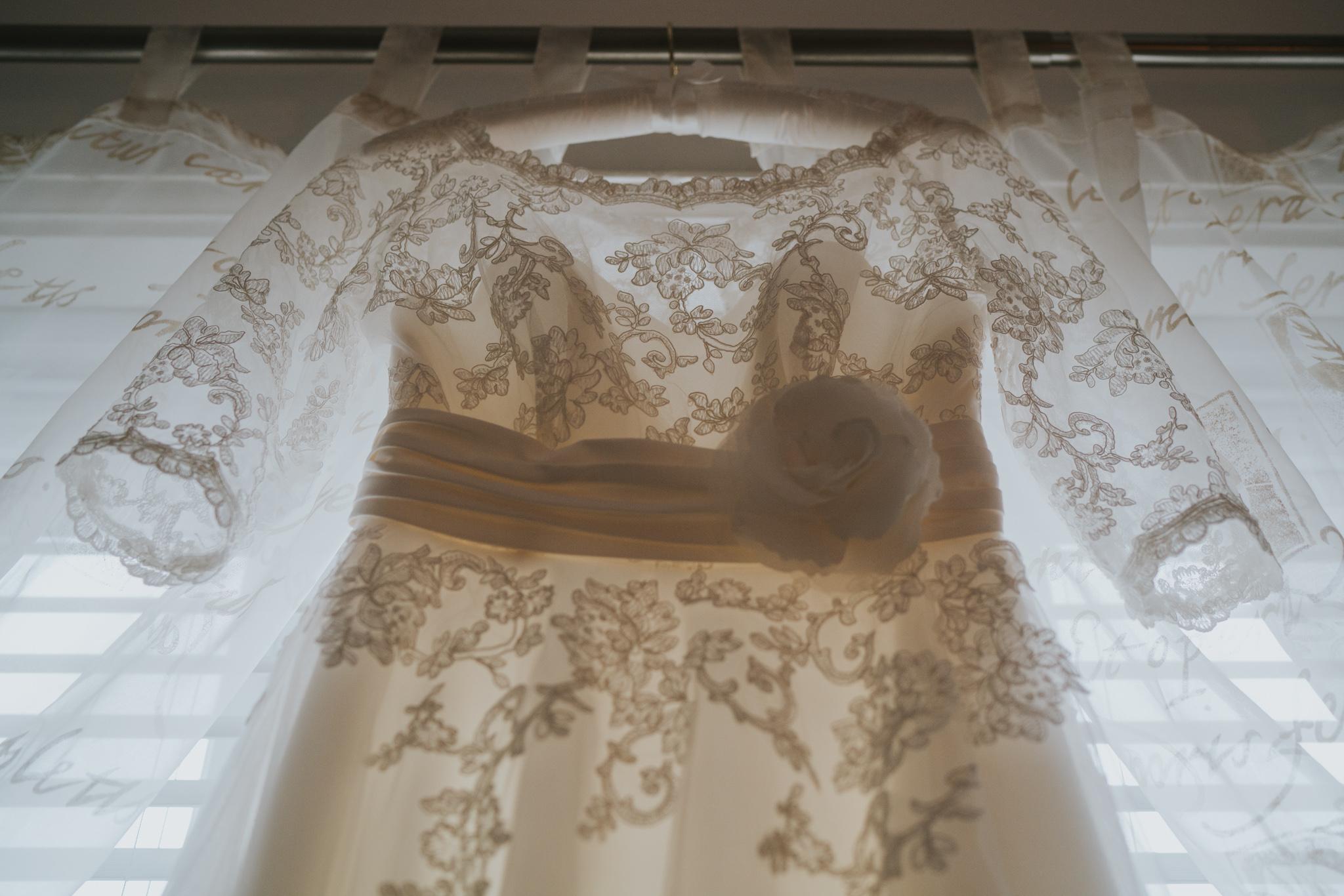 rhia-james-rustic-crabbs-barn-vintage-50s-retro-wedding-grace-elizabeth-colchester-essex-alternative-relaxed-wedding-family-photography-devon-suffolk-norfolk-essex (2 of 138).jpg