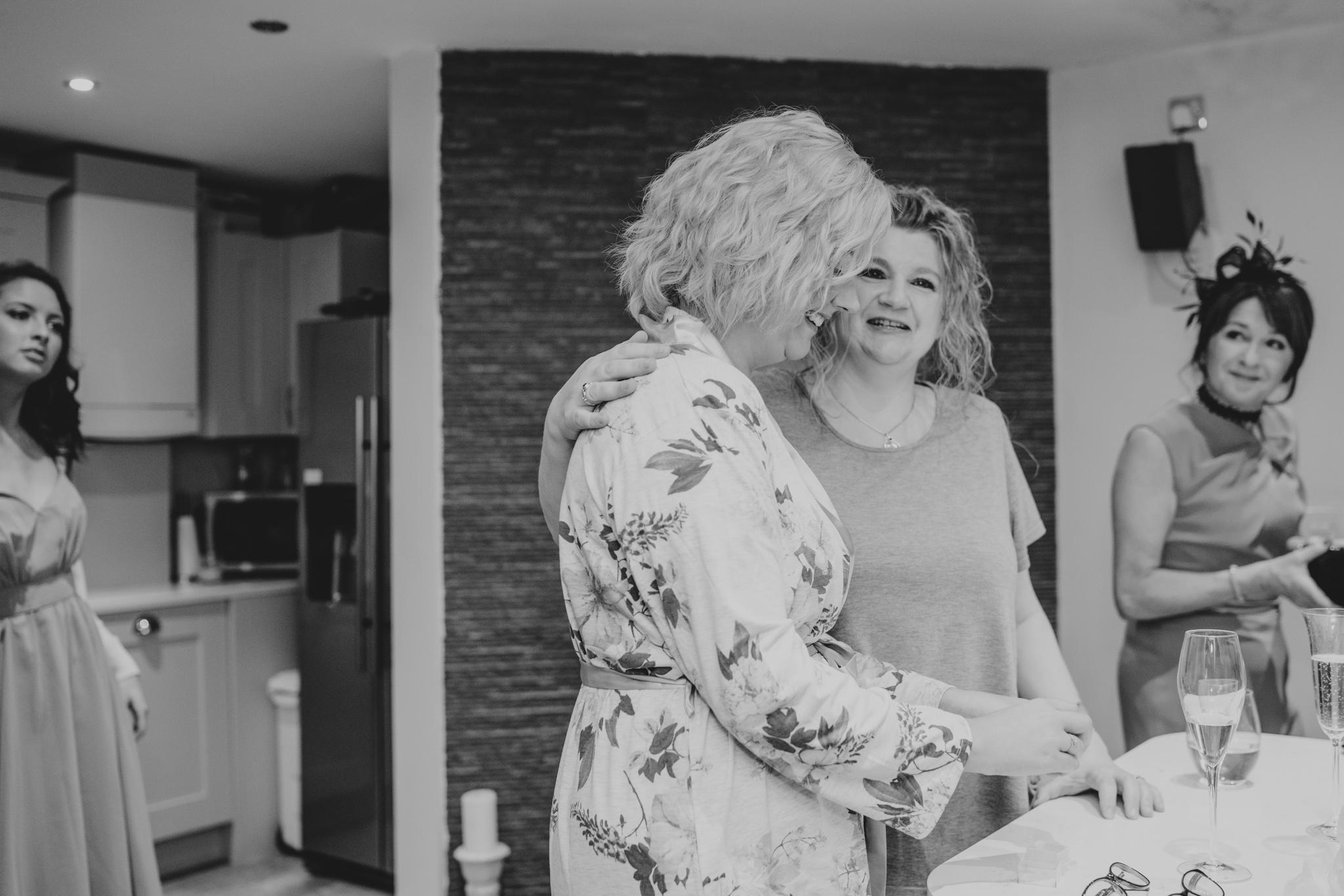 rhia-james-rustic-crabbs-barn-vintage-50s-retro-wedding-grace-elizabeth-colchester-essex-alternative-relaxed-wedding-family-photography-devon-suffolk-norfolk-essex (26 of 138).jpg