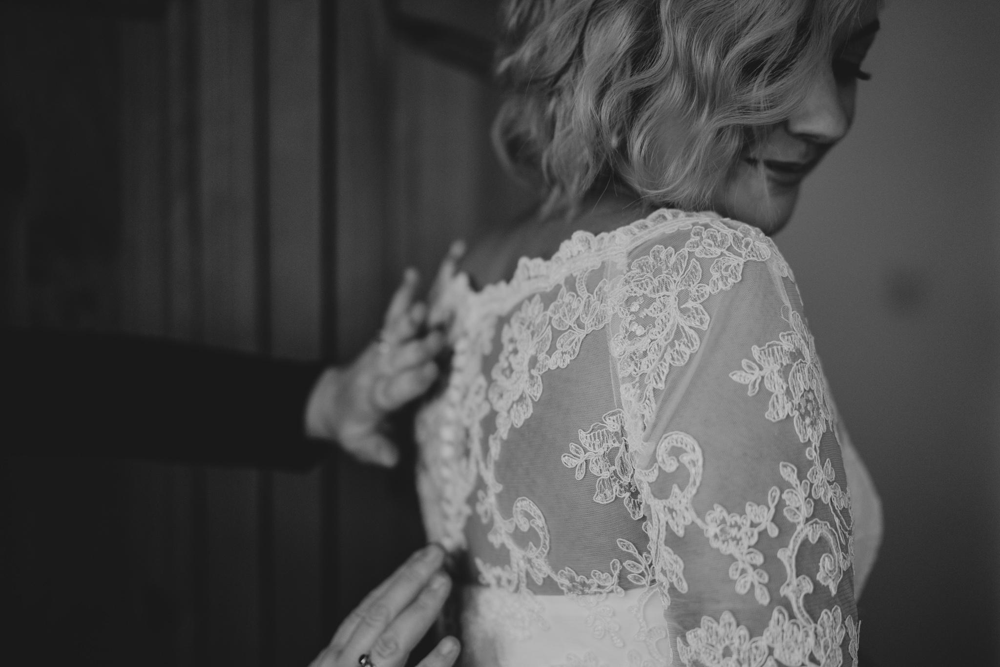 rhia-james-rustic-crabbs-barn-vintage-50s-retro-wedding-grace-elizabeth-colchester-essex-alternative-relaxed-wedding-family-photography-devon-suffolk-norfolk-essex (30 of 138).jpg
