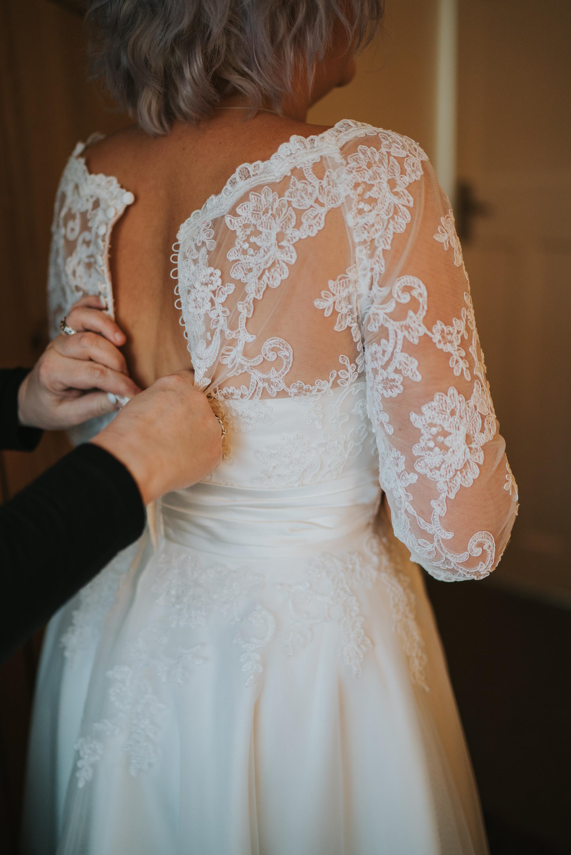 rhia-james-rustic-crabbs-barn-vintage-50s-retro-wedding-grace-elizabeth-colchester-essex-alternative-relaxed-wedding-family-photography-devon-suffolk-norfolk-essex (29 of 138).jpg