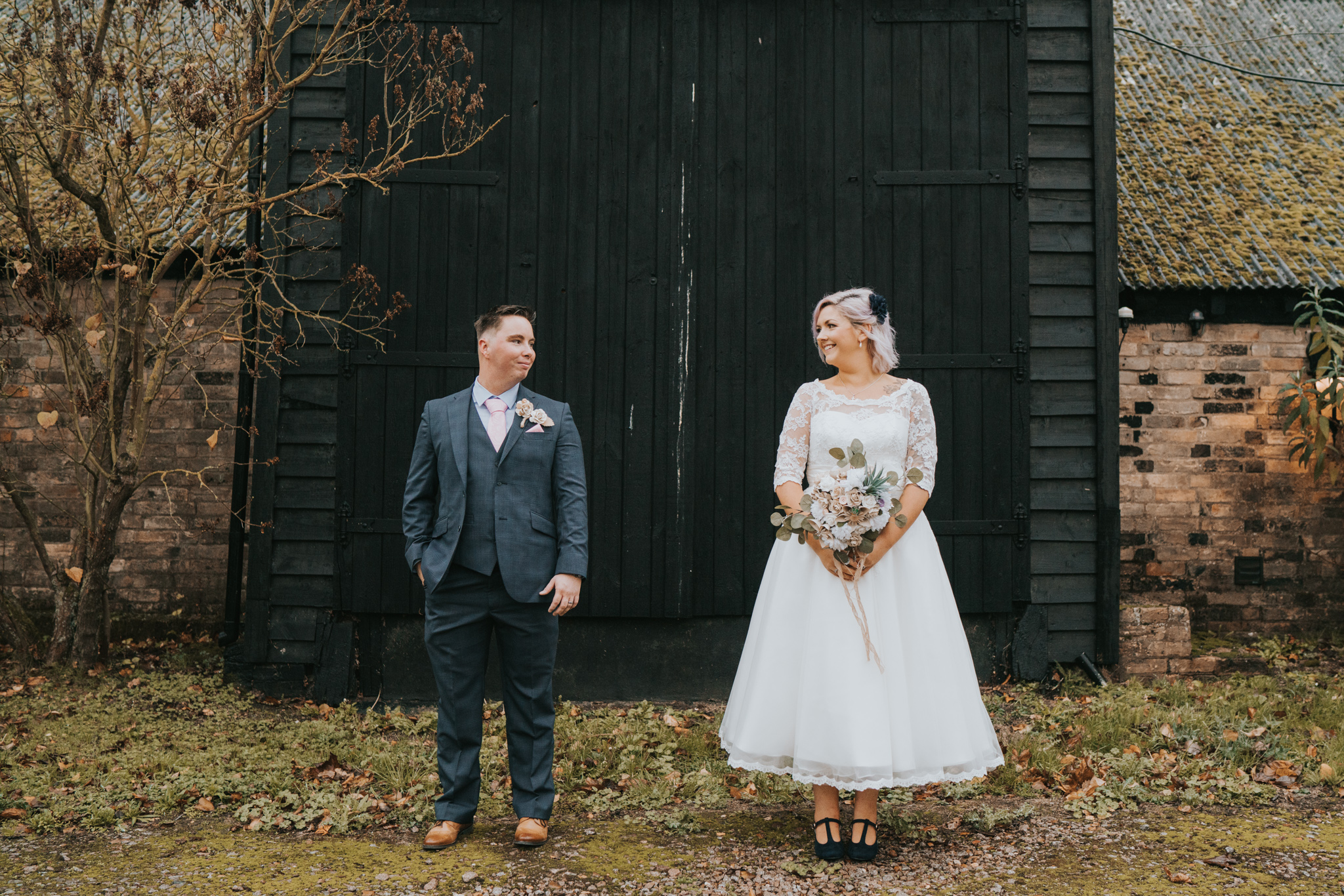 rhia-james-rustic-crabbs-barn-vintage-50s-retro-wedding-grace-elizabeth-colchester-essex-alternative-relaxed-wedding-family-photography-devon-suffolk-norfolk-essex (82 of 138).jpg