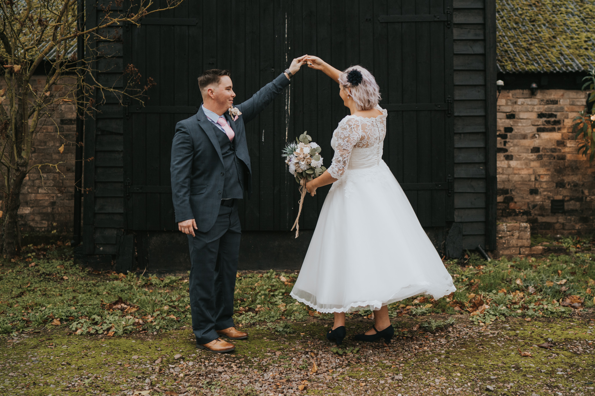 rhia-james-rustic-crabbs-barn-vintage-50s-retro-wedding-grace-elizabeth-colchester-essex-alternative-relaxed-wedding-family-photography-devon-suffolk-norfolk-essex (84 of 138).jpg