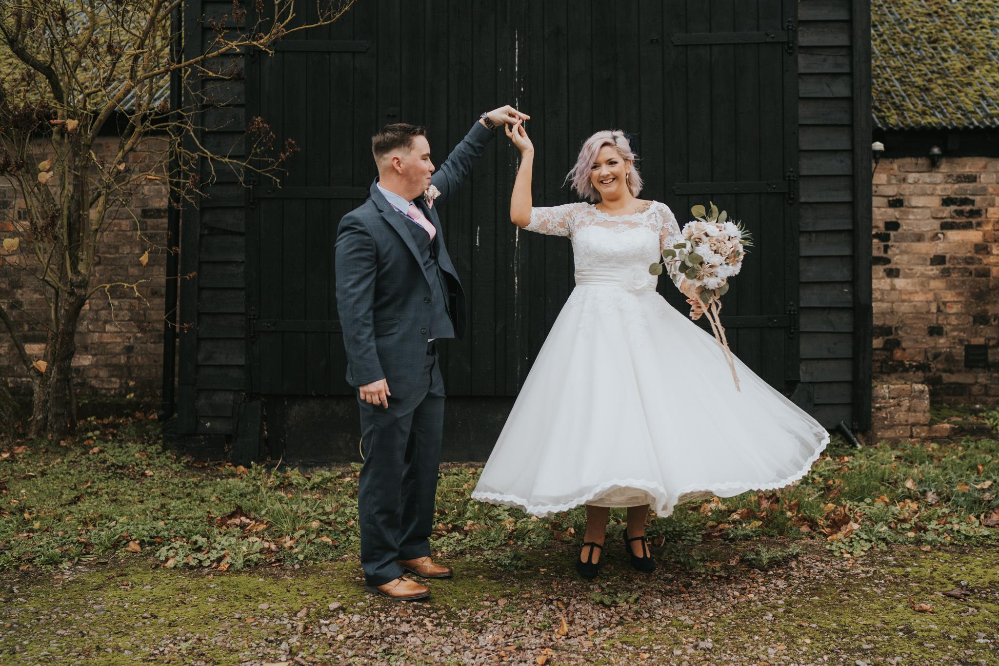 rhia-james-rustic-crabbs-barn-vintage-50s-retro-wedding-grace-elizabeth-colchester-essex-alternative-relaxed-wedding-family-photography-devon-suffolk-norfolk-essex (85 of 138).jpg