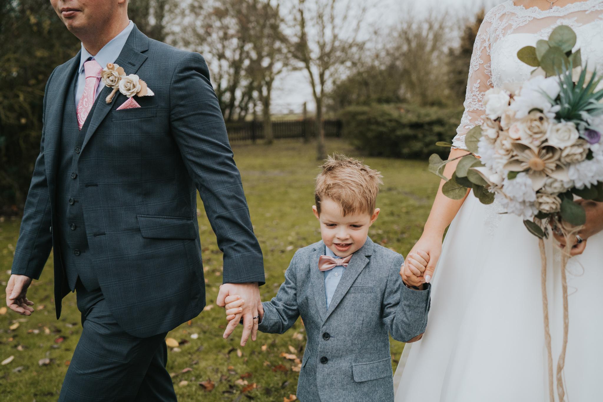 rhia-james-rustic-crabbs-barn-vintage-50s-retro-wedding-grace-elizabeth-colchester-essex-alternative-relaxed-wedding-family-photography-devon-suffolk-norfolk-essex (91 of 138).jpg