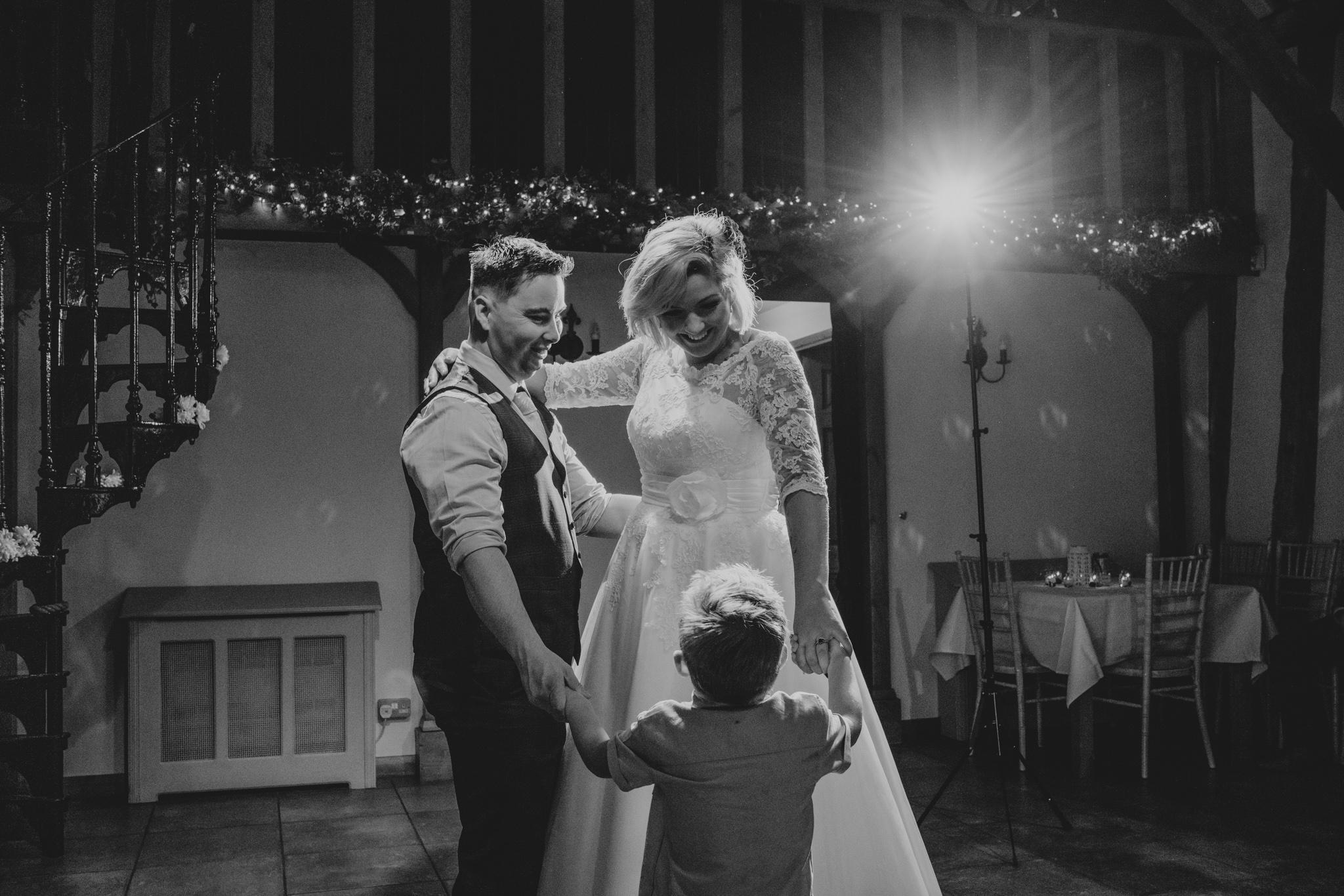 rhia-james-rustic-crabbs-barn-vintage-50s-retro-wedding-grace-elizabeth-colchester-essex-alternative-relaxed-wedding-family-photography-devon-suffolk-norfolk-essex (132 of 138).jpg