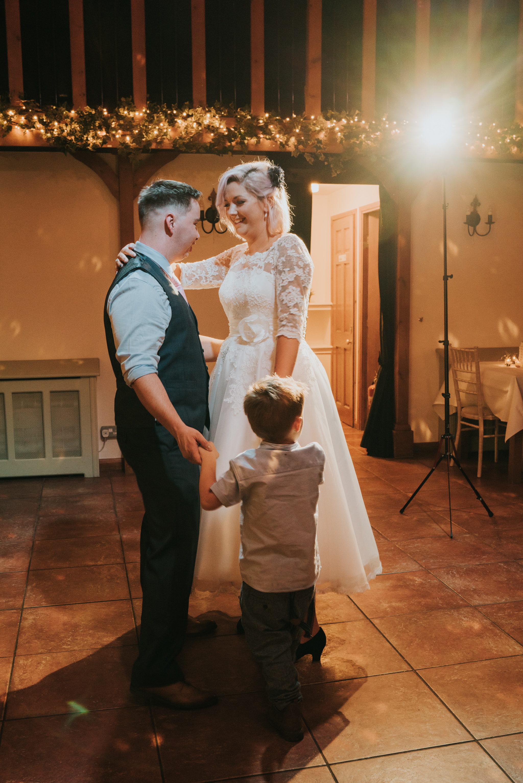 rhia-james-rustic-crabbs-barn-vintage-50s-retro-wedding-grace-elizabeth-colchester-essex-alternative-relaxed-wedding-family-photography-devon-suffolk-norfolk-essex (133 of 138).jpg