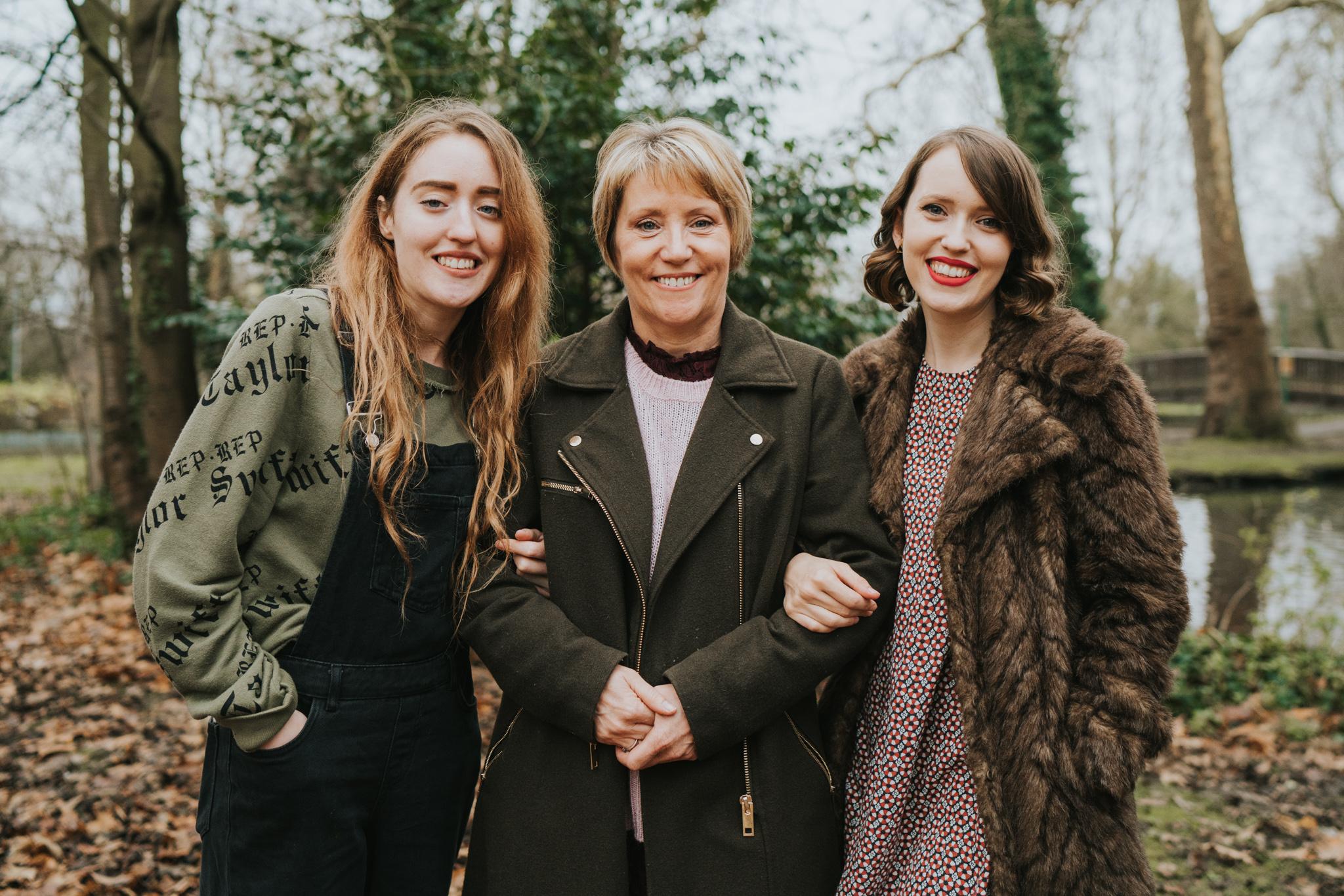 Hertfordshire-extended-family-session-grace-elizabeth-colchester-essex-alternative-wedding-photographer-suffolk-devon-norfolk (9 of 26).jpg
