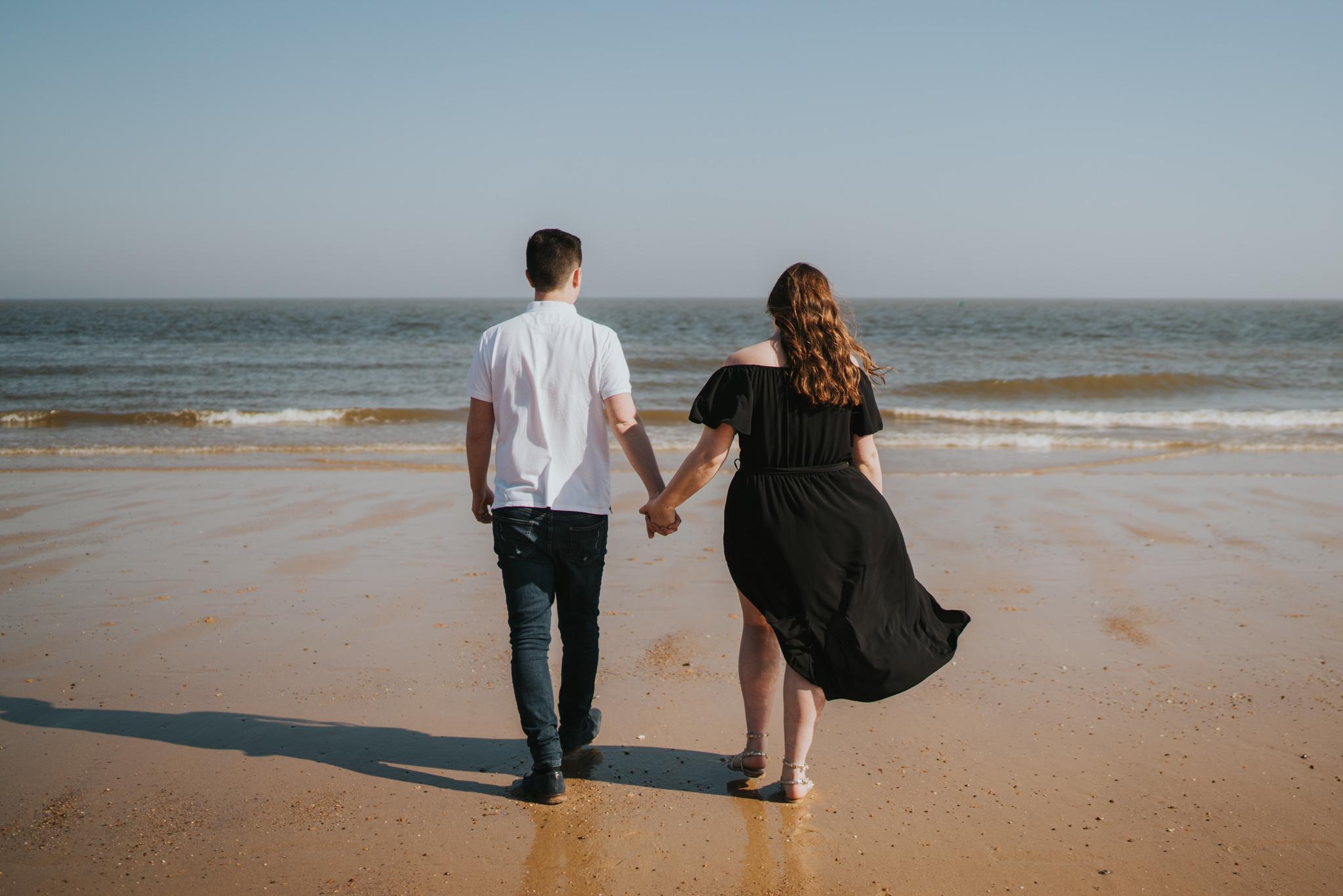 steph-peter-relaxed-frinton-beach-engagement-session-grace-elizabeth-colchester-essex-alternative-wedding-lifestyle-photographer-essex-suffolk-norfolk-devon (16 of 16).jpg