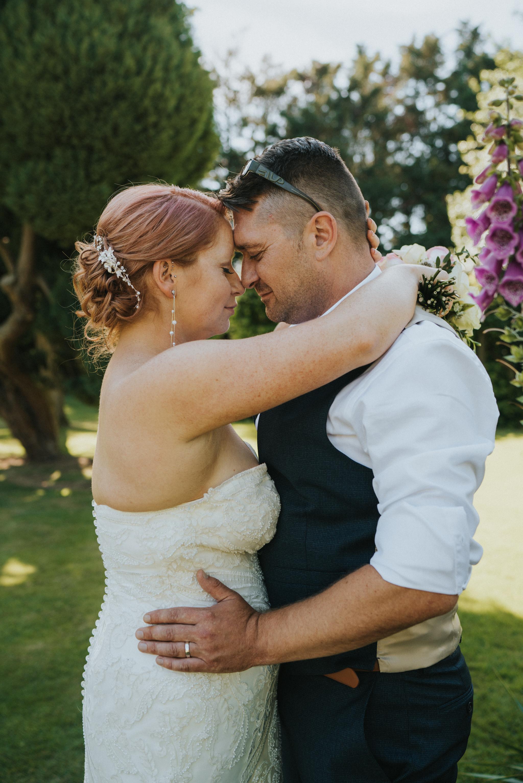 steph-neil-red-brick-barn-rochford-wedding-grace-elizabeth-colchester-essex-alternative-wedding-photographer-essex-suffolk-norfolk-devon (32 of 43).jpg