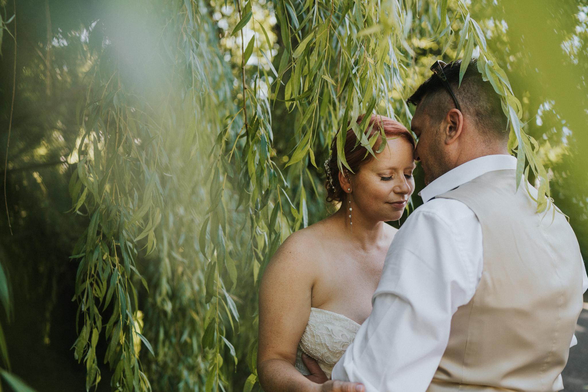 steph-neil-red-brick-barn-rochford-wedding-grace-elizabeth-colchester-essex-alternative-wedding-photographer-essex-suffolk-norfolk-devon (1 of 1).jpg