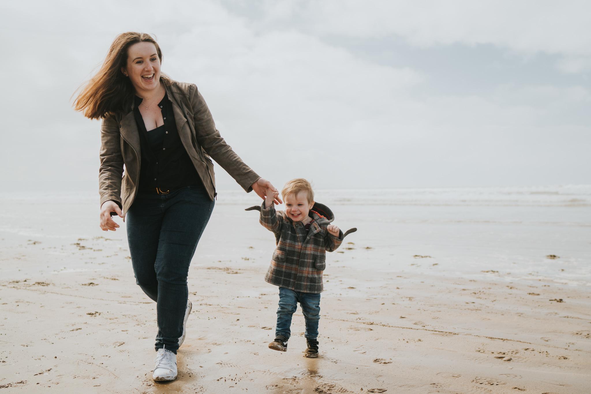 beach-family-session-westward-ho-north-devon-grace-elizabeth-devon-family-wedding-photographer-essex-devon-norfolk (16 of 43).jpg