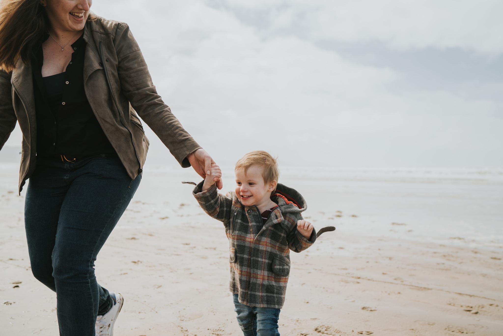 beach-family-session-westward-ho-north-devon-grace-elizabeth-devon-family-wedding-photographer-essex-devon-norfolk (17 of 43).jpg