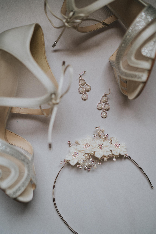 karen-tony-blackthorpe-barn-diy-wedding-grace-elizabeth-colchester-essex-alternative-wedding-lifestyle-photographer-essex-suffolk-norfolk-devon (2 of 35).jpg