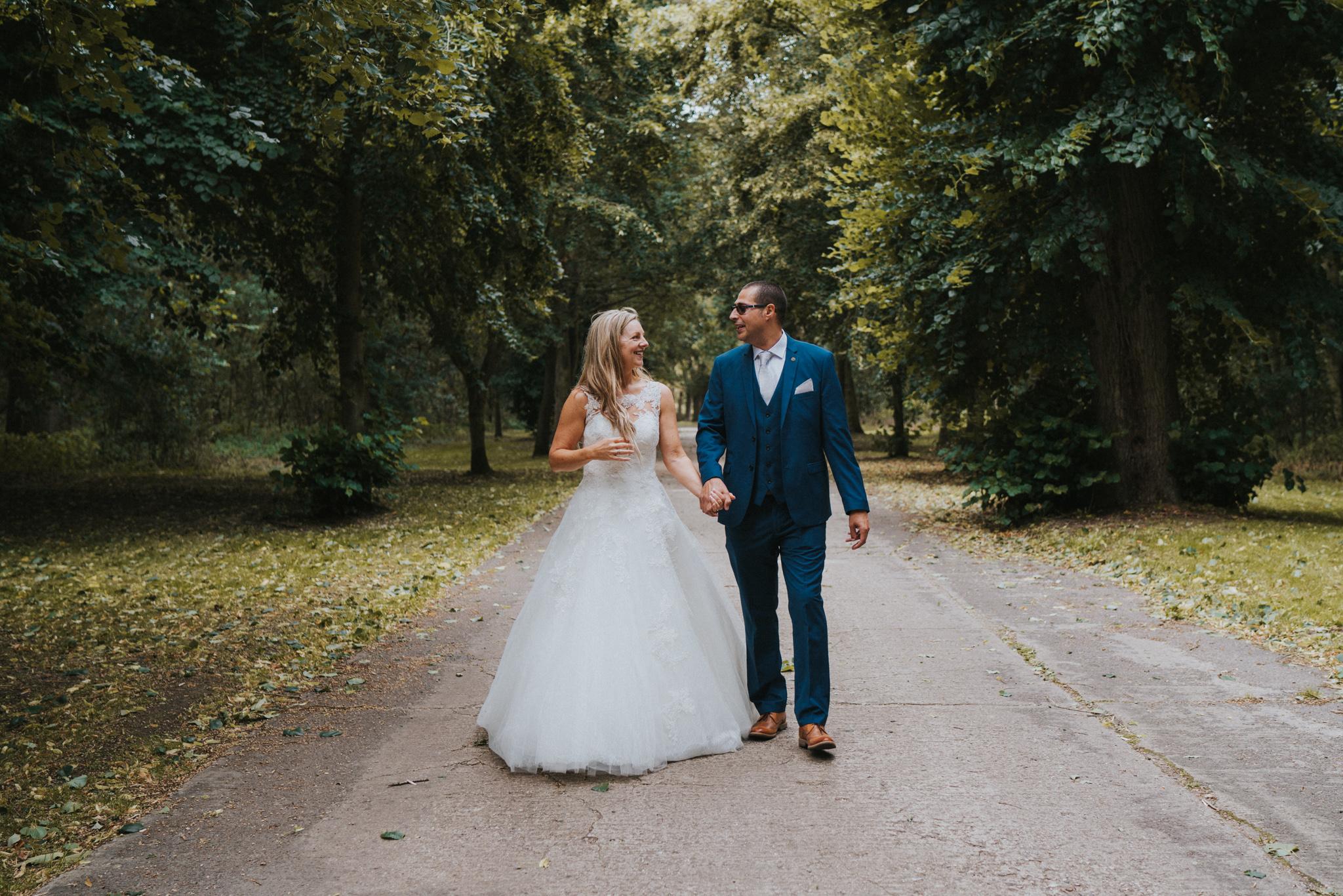karen-tony-blackthorpe-barn-diy-wedding-grace-elizabeth-colchester-essex-alternative-wedding-lifestyle-photographer-essex-suffolk-norfolk-devon (22 of 35).jpg