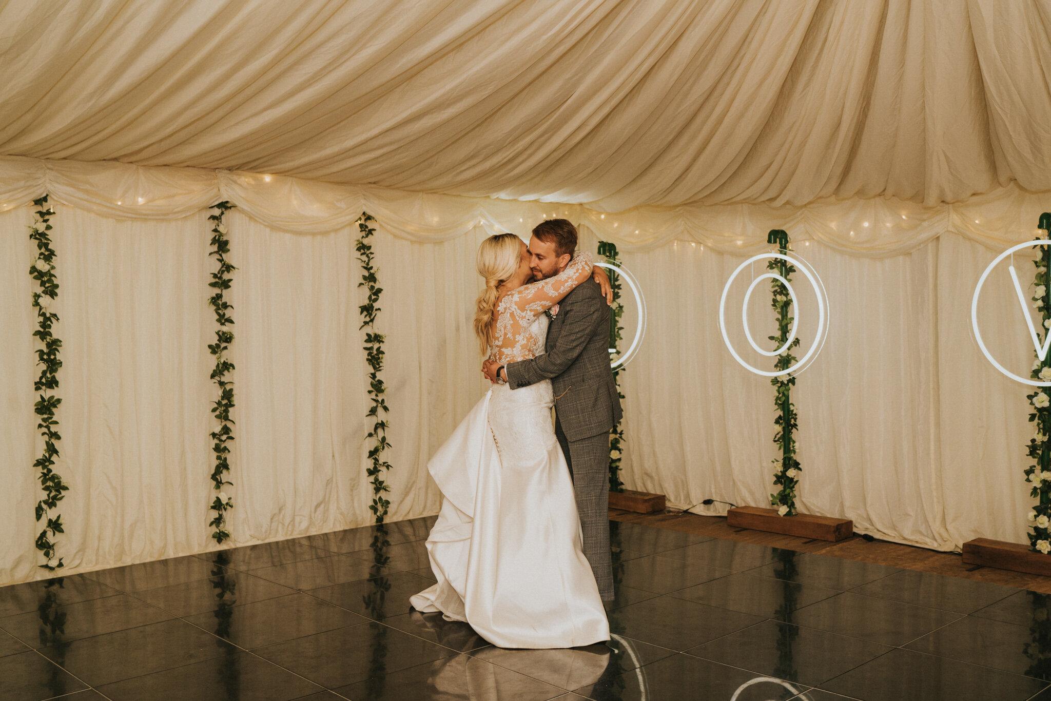 amy-ross-diy-garden-wedding-grace-elizabeth-colchester-essex-suffolk-devon-norfolk-wedding-lifestyle-photographer (48 of 51).jpg