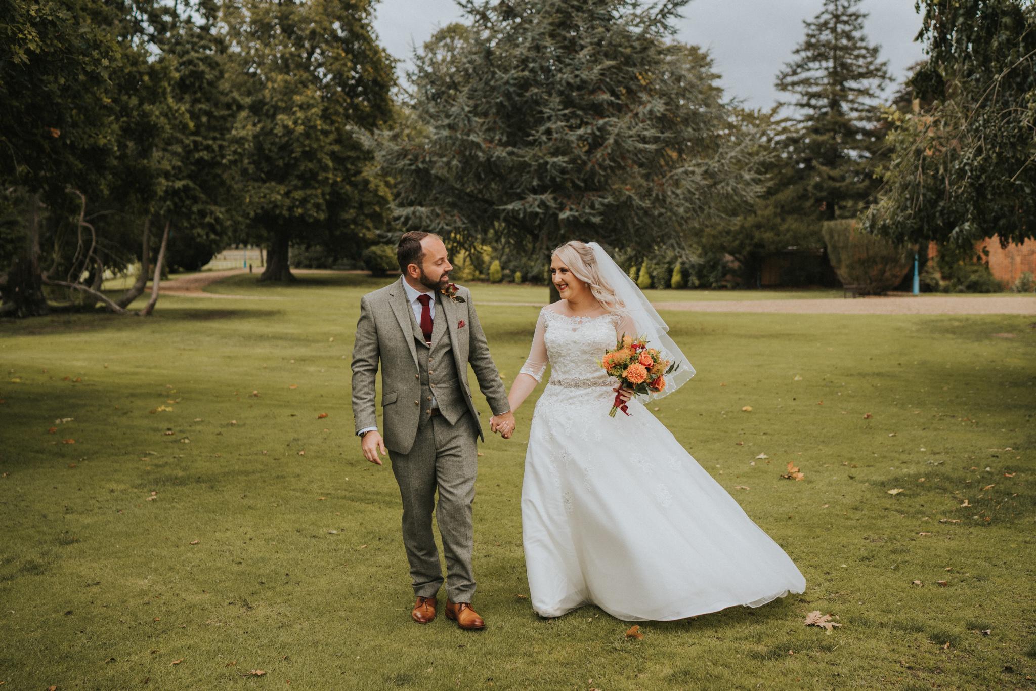 chara-neil-gosfield-hall-wedding-grace-elizabeth-colchester-essex-alternative-wedding-photographer-essex-devon-suffolk-norfolk (32 of 50).jpg