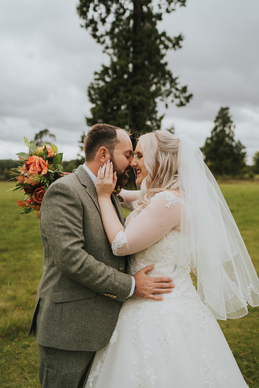chara-neil-gosfield-hall-wedding-grace-elizabeth-colchester-essex-alternative-wedding-photographer-essex-devon-suffolk-norfolk (35 of 50).jpg