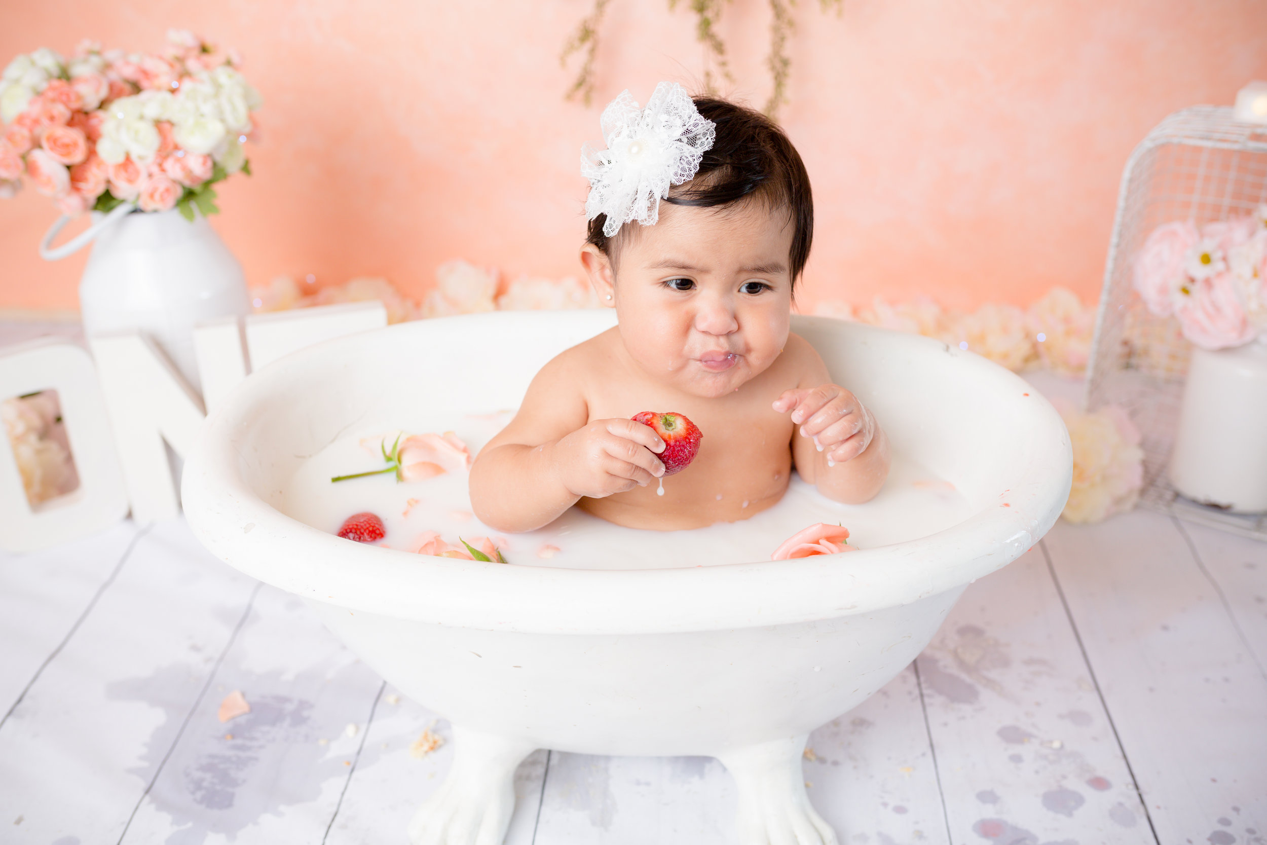 Gianna's1yrcakesmash111.jpg