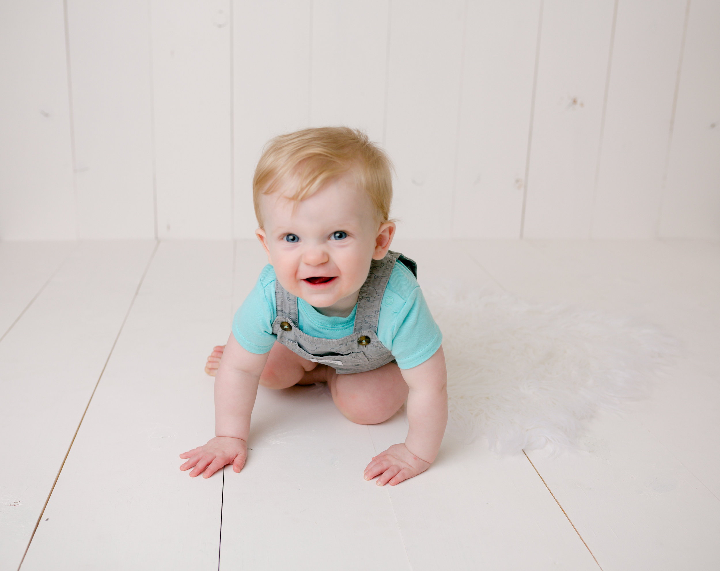 Jackson Carey's 9 month sitter session5.jpg