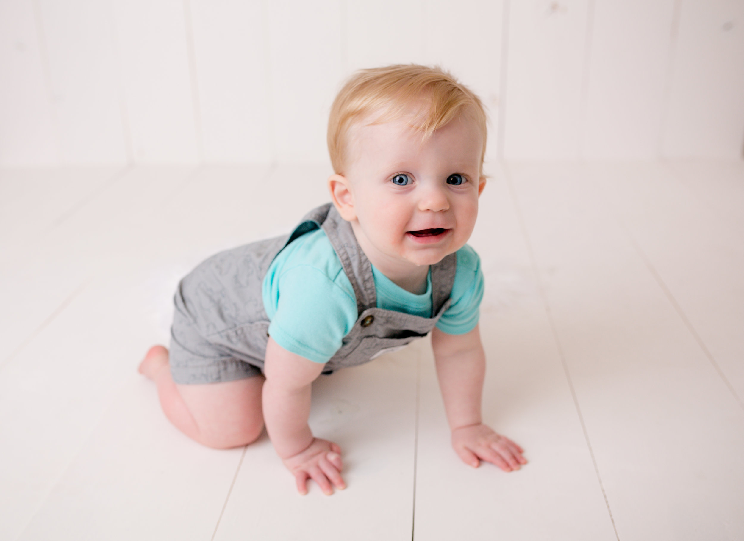 Jackson Carey's 9 month sitter session23.jpg