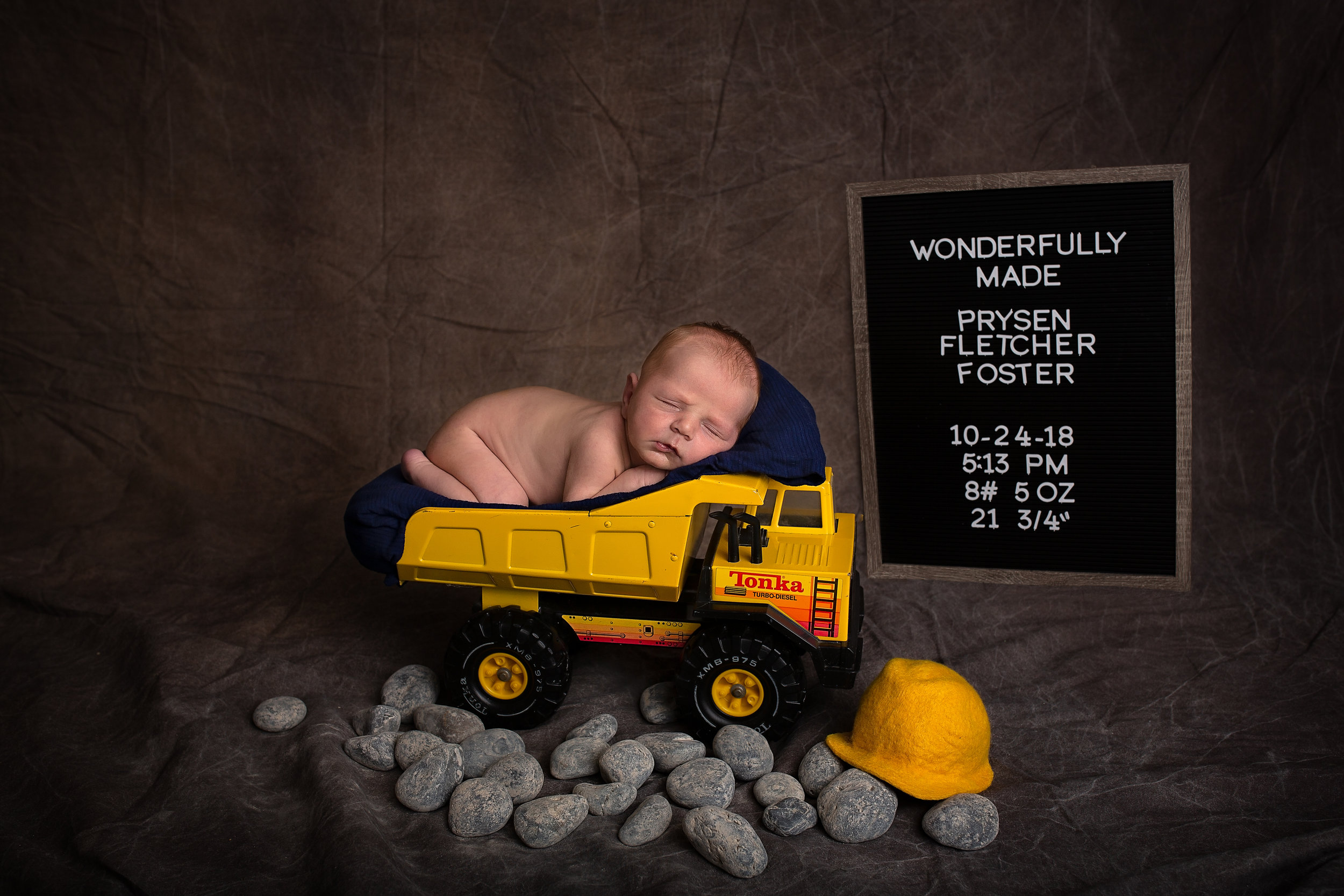 18_11_04 Melody Foster Newborn Session - Pryson39.jpg