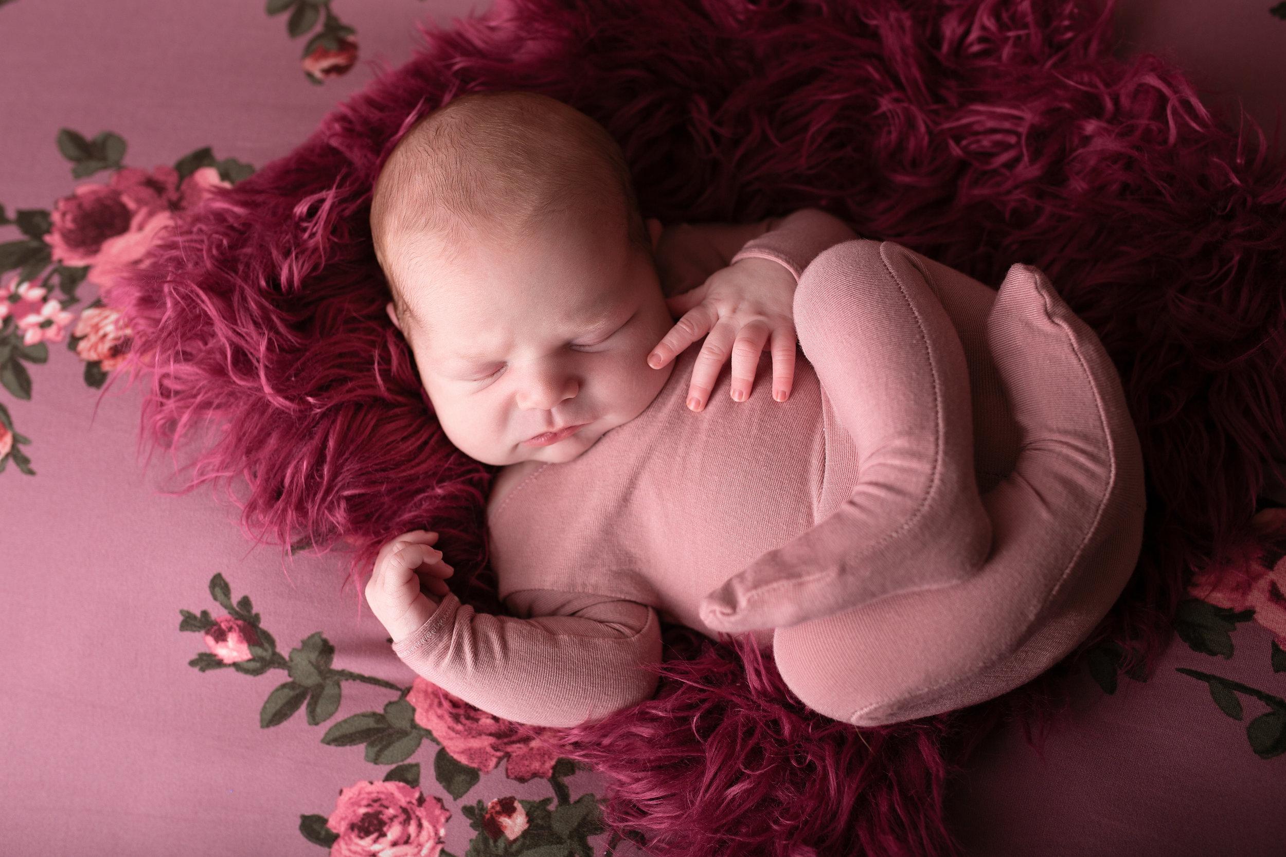 18_11_07 Elizabeth Newby - Londyn's Newborn Session69.jpg