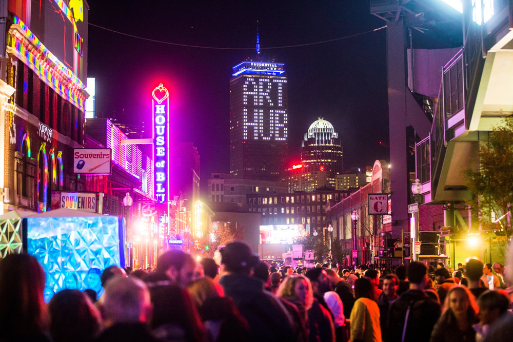 Art Hub_Illuminus 2015_Photo by Aram Boghosian.jpg