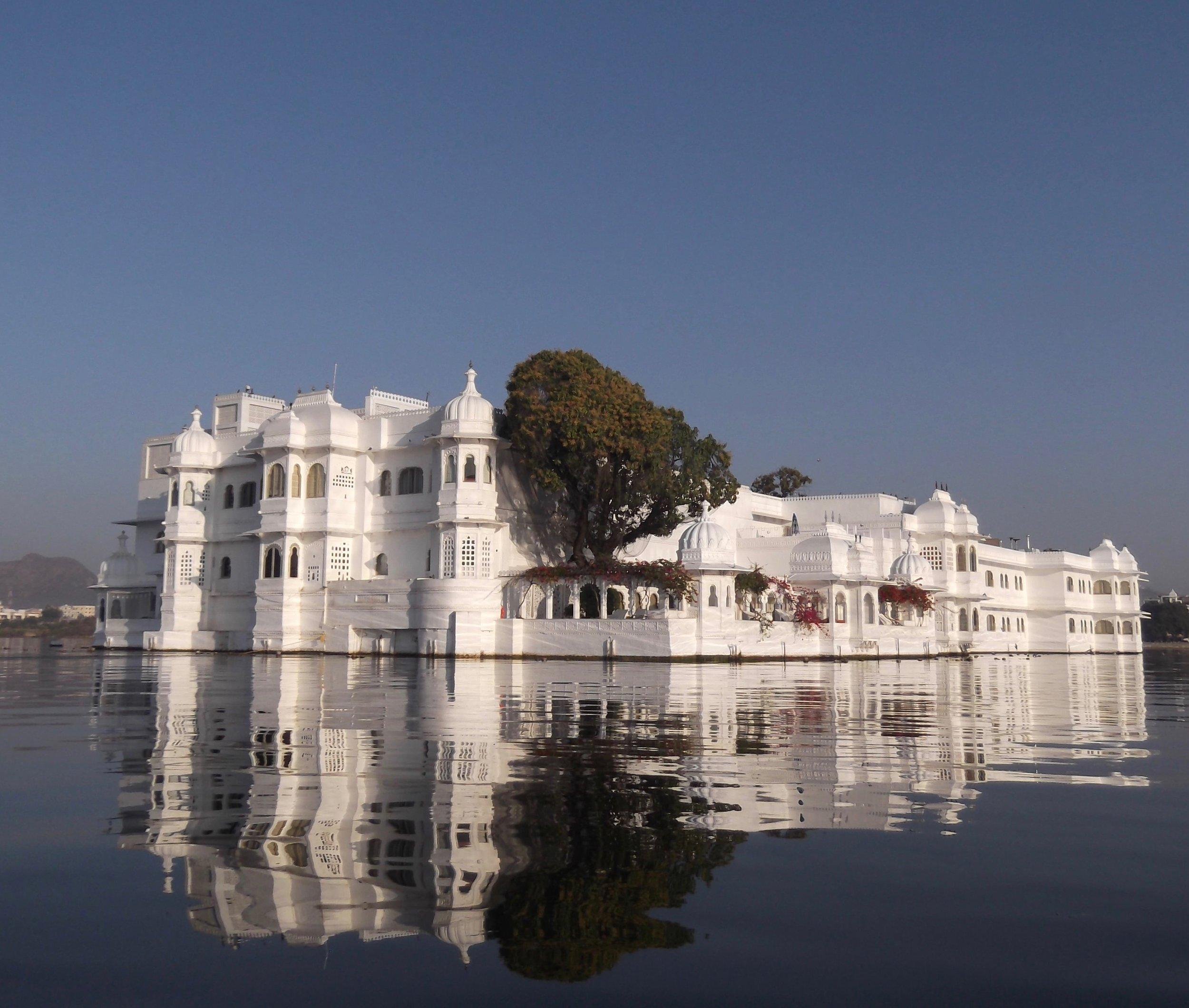 Palace in lake.jpg