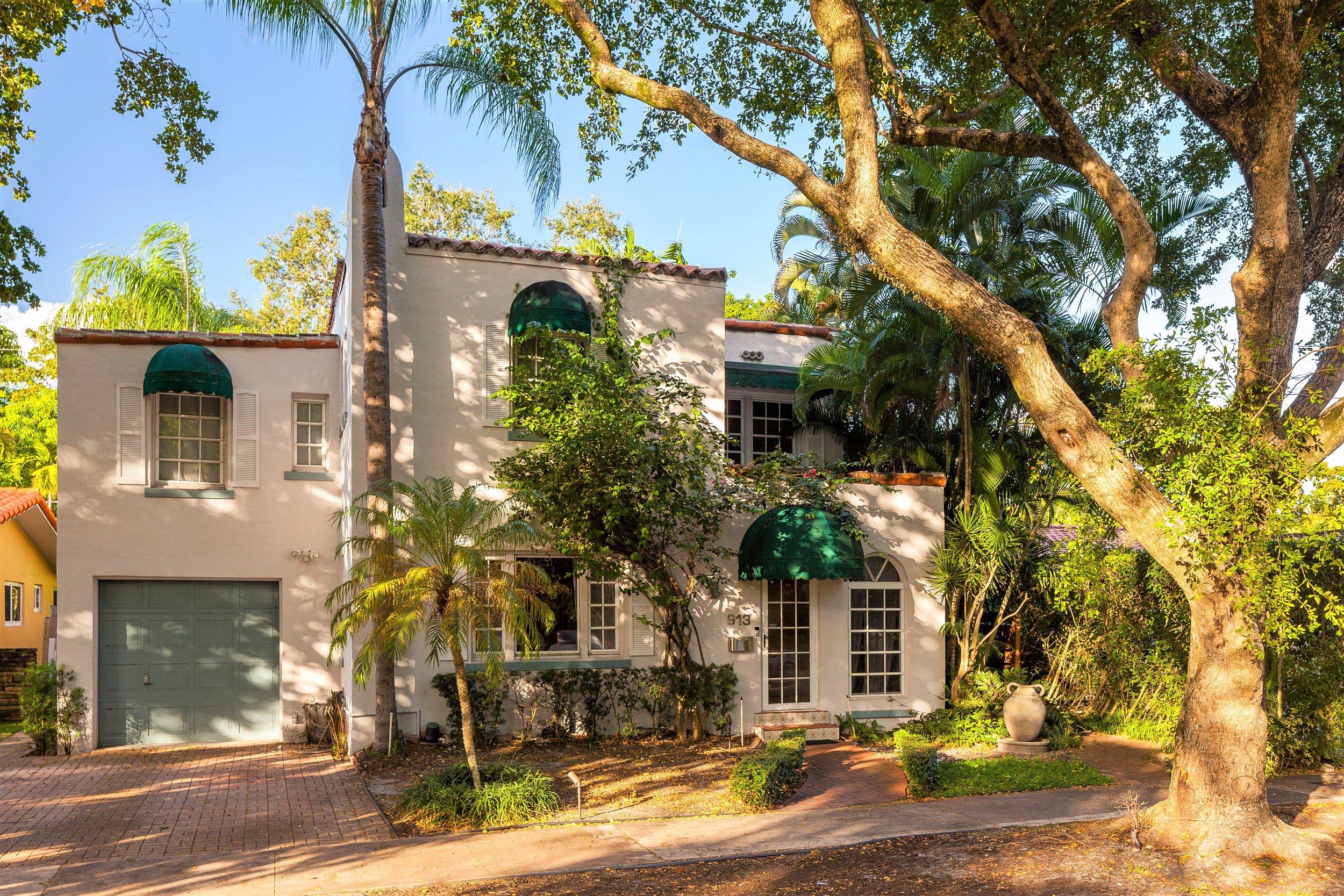 913 Medina Avenue   Sold for $660,000