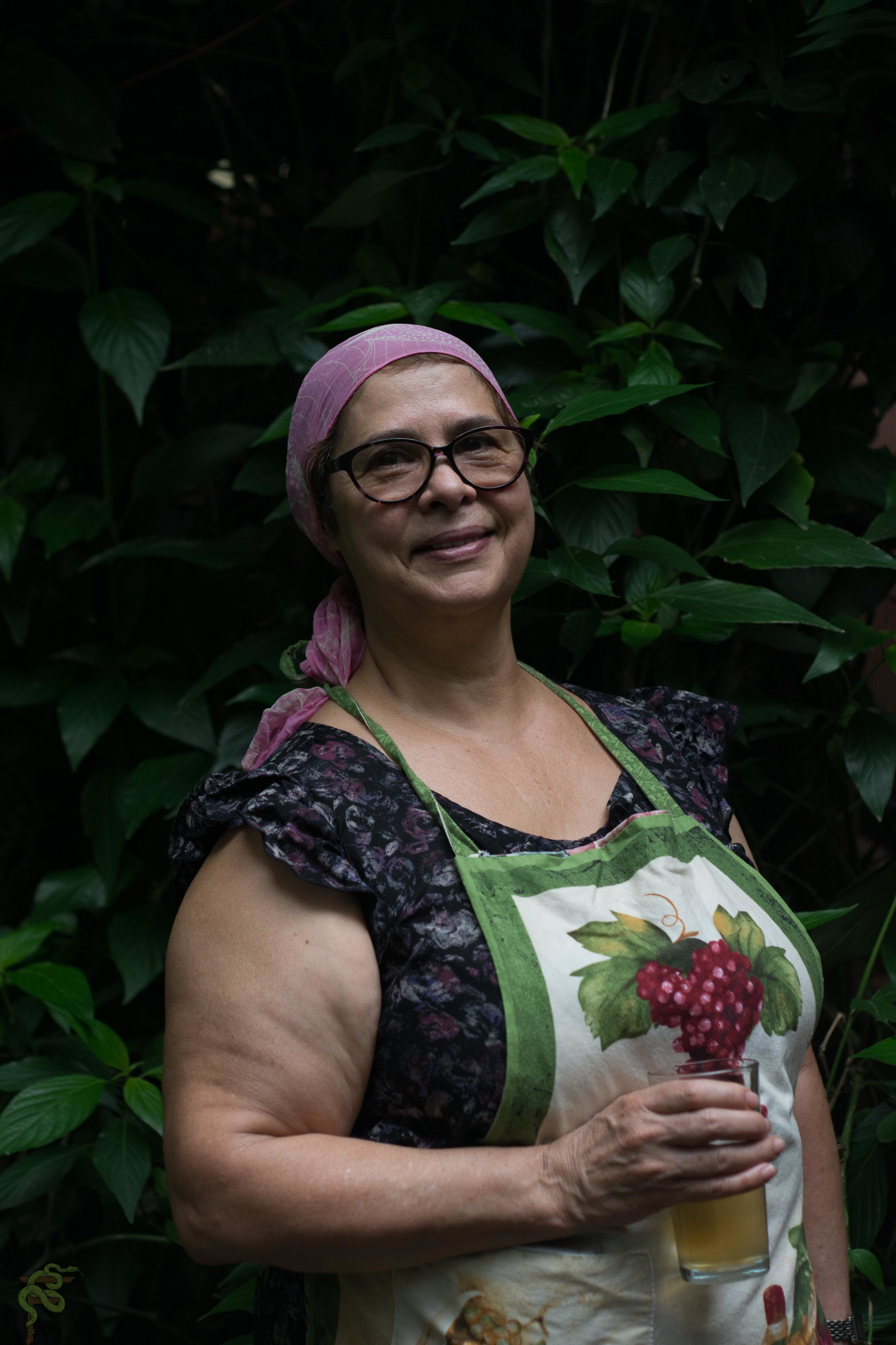 Doña Mireya the cook in charge of the lessons with more than 50 years of experience traditional food .