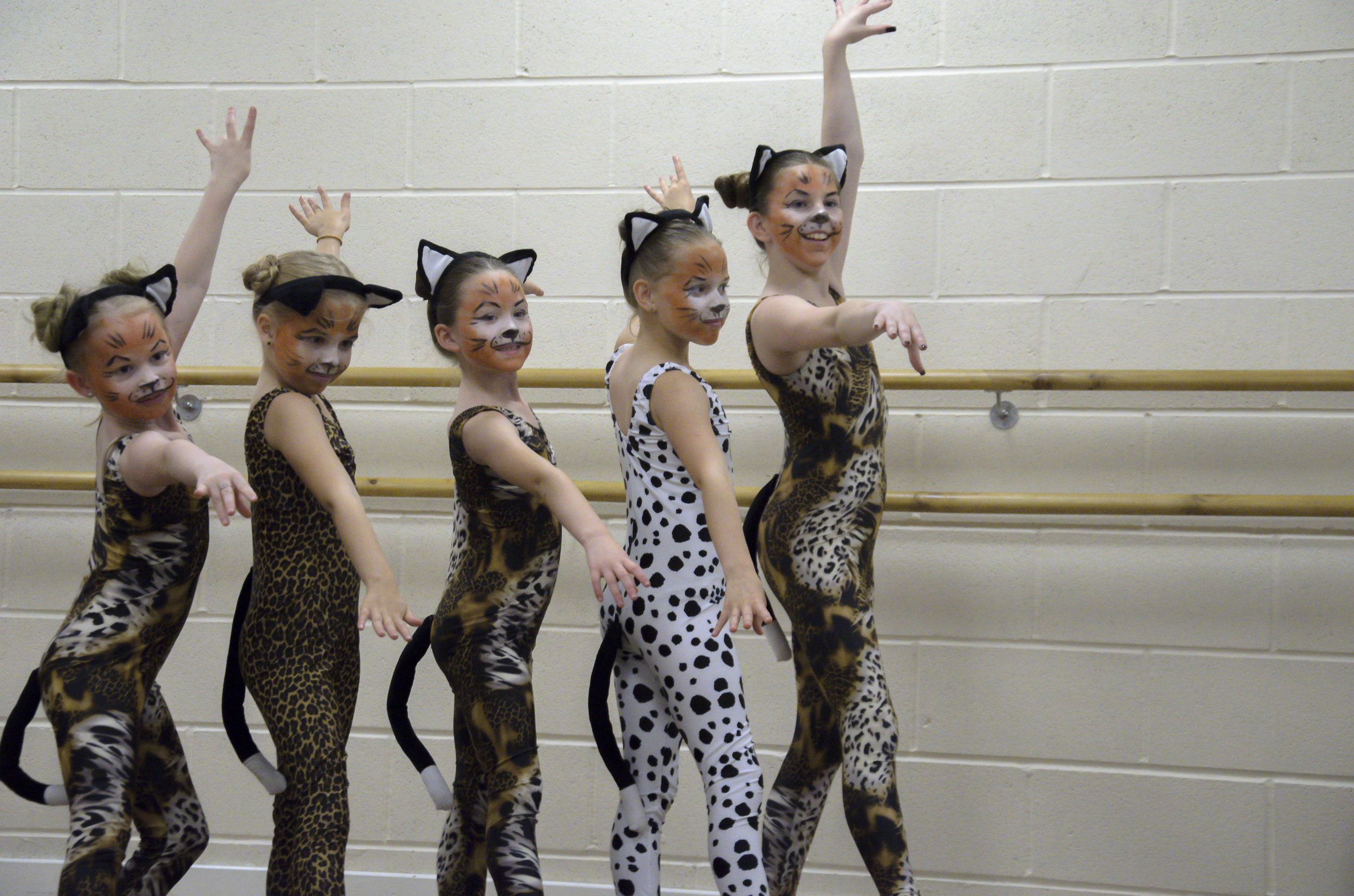 En Pointe Easter School 2018 — The Musical Cats