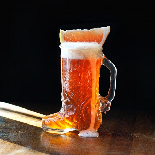 Das Boot - A beer and champagne cocktail with campari and grapefruit juice