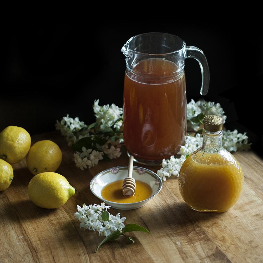 Chamomile + Bee Pollen Bourbon Tea + Spiced Honey Cookies