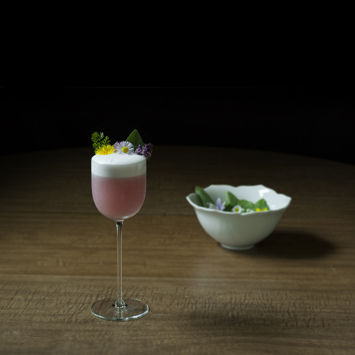 edible flowers and other foraged flora for cocktails