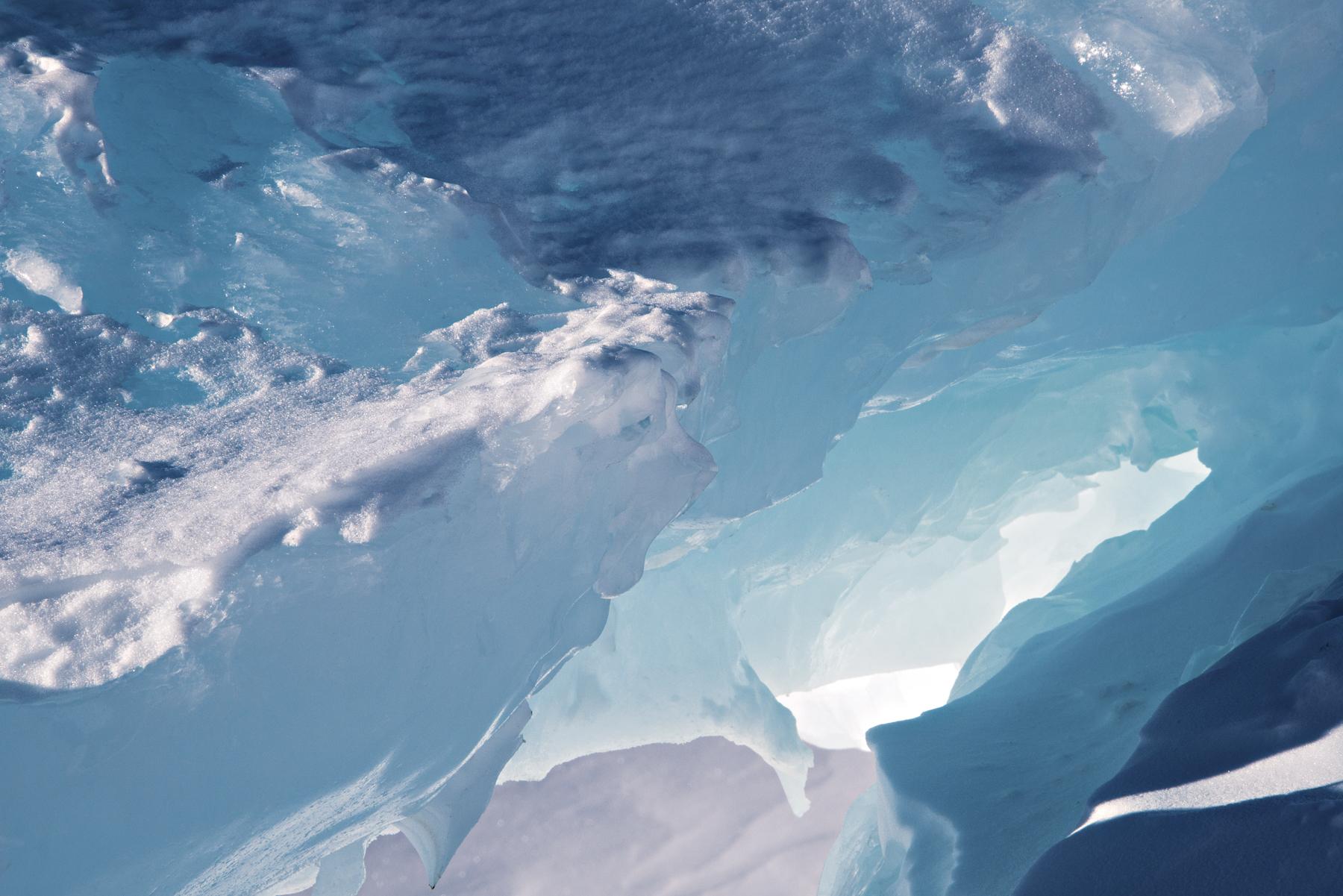 Ultraviolet Reflections, Scott Base Pressure Ridges