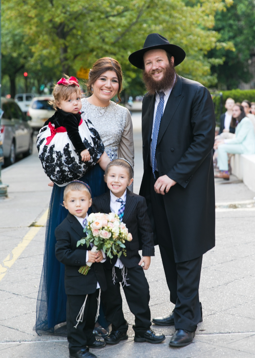 Rabbi Daniel & Dalia Sanoff - With Dovid, Menachem and Basya