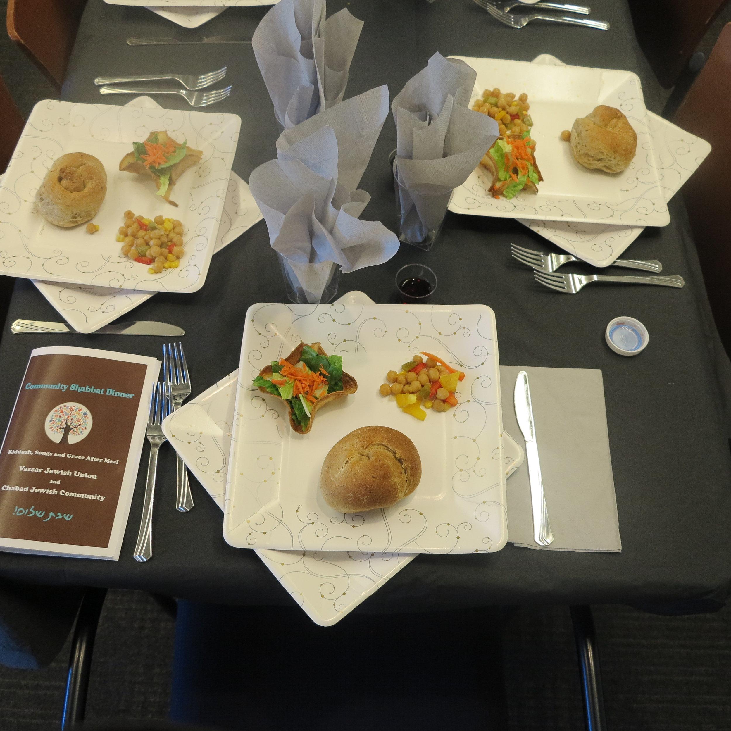 Shabbat Table setting