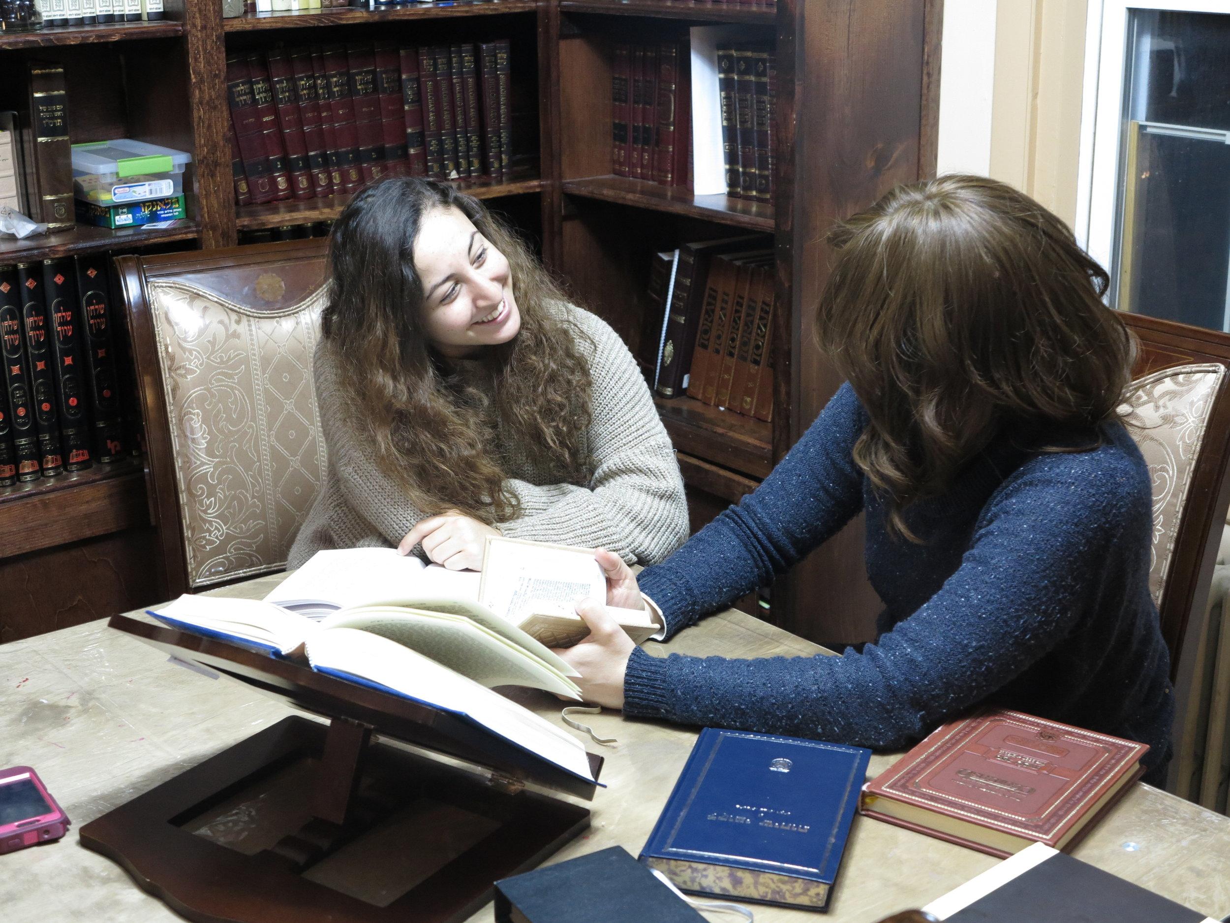 Dalia and a student swimming in the Jewish sea of knowldege