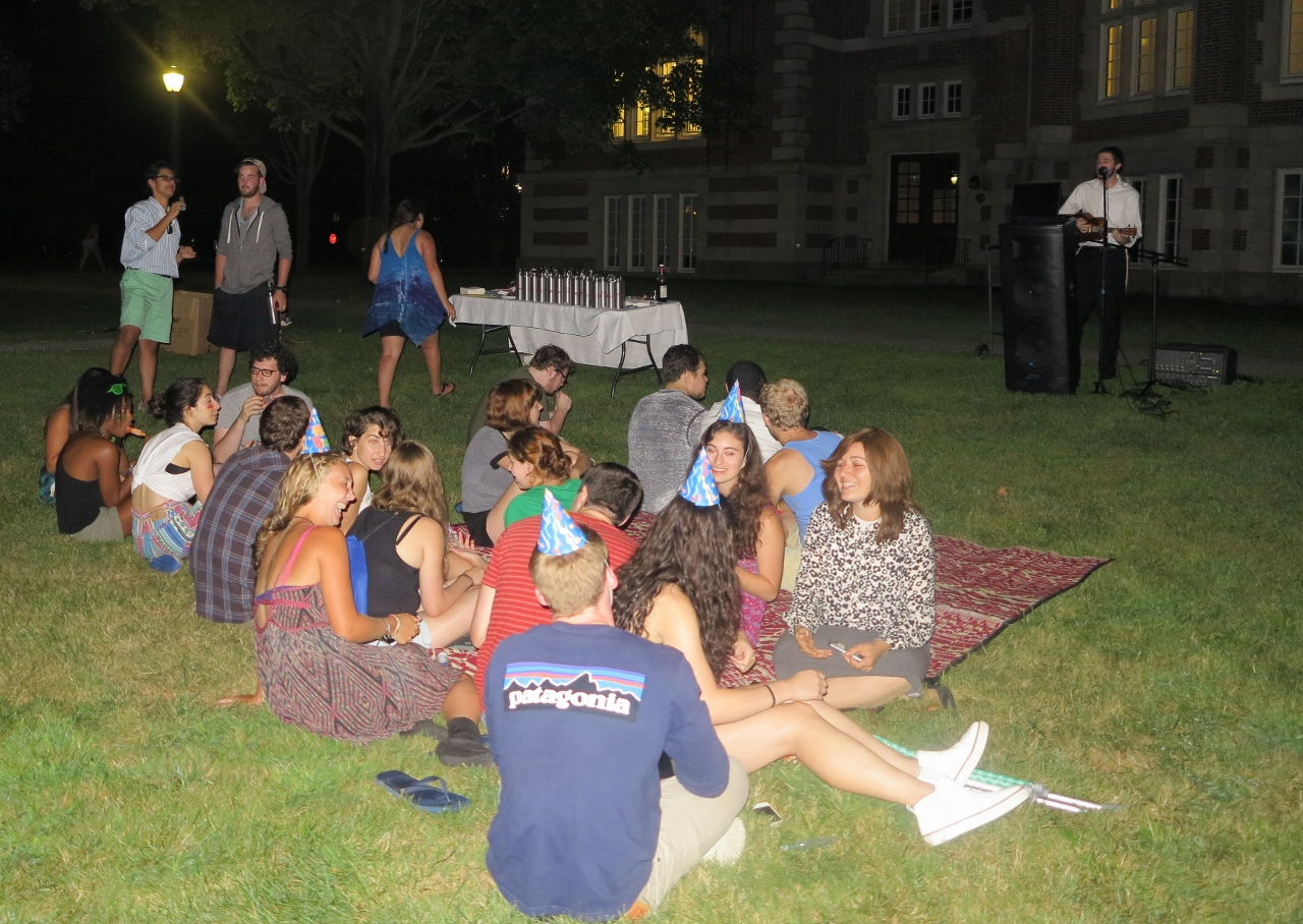 Musical  Havdallah  on the Quad