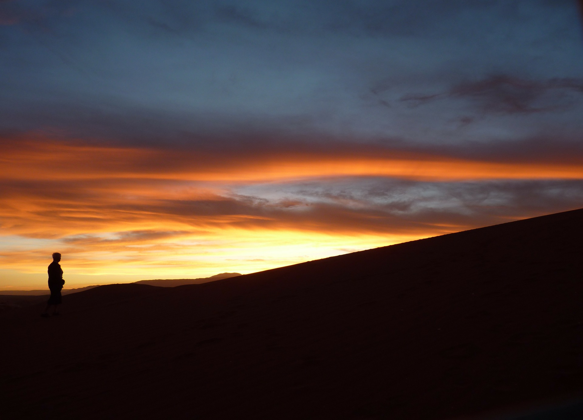 sunset-74778_1920.jpg